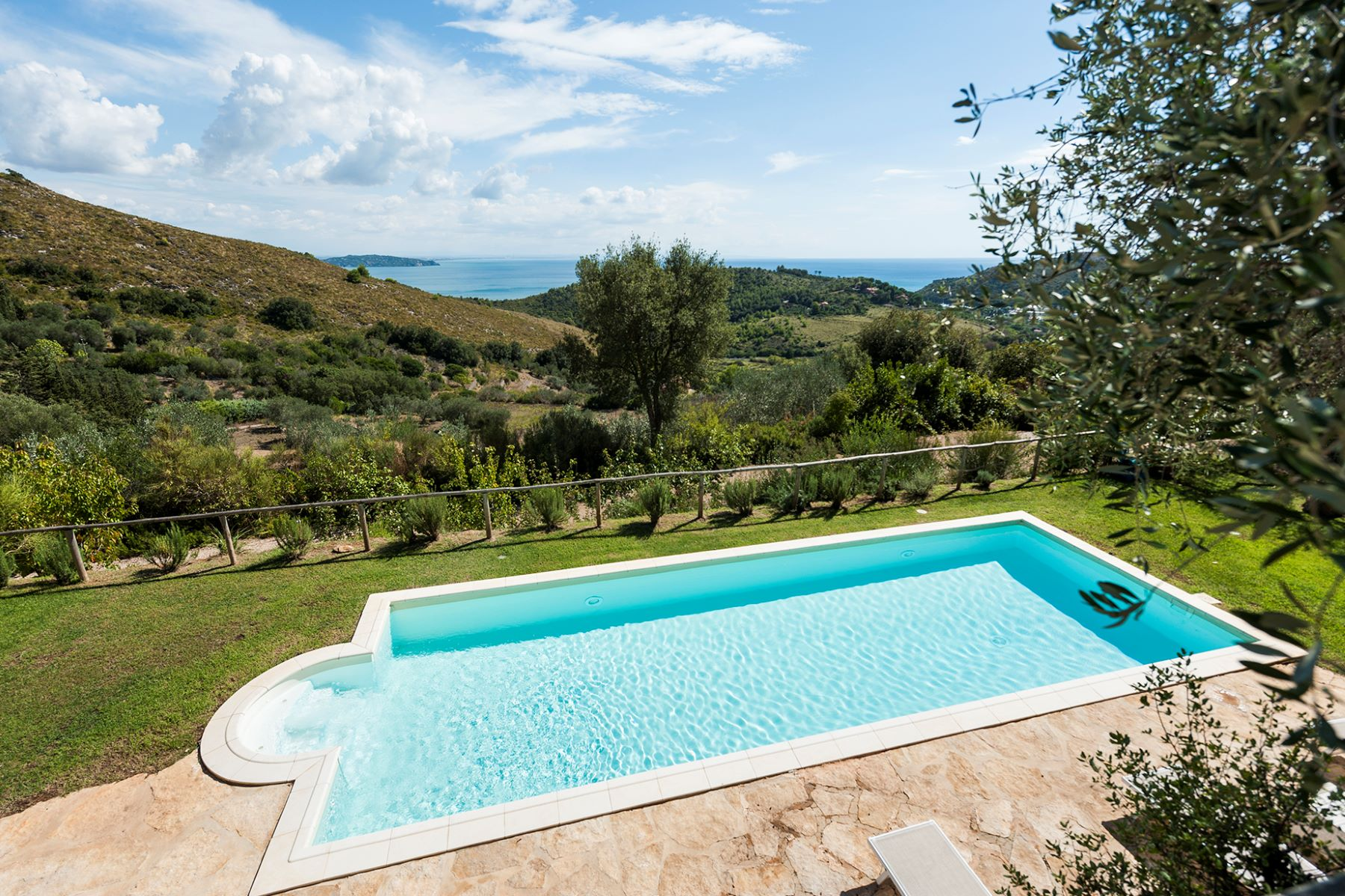Additional photo for property listing at Wonderful stone villa in Monte Argentario Porto Ercole, Grosseto Italie