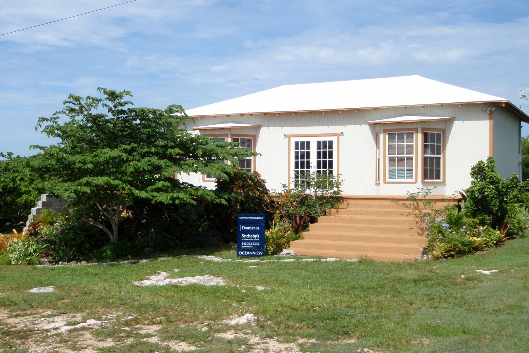 Maison unifamiliale pour l Vente à Great Potential! Explore the possibilities! Vivian Pinder Road Spanish Wells, Eleuthera 0 Bahamas