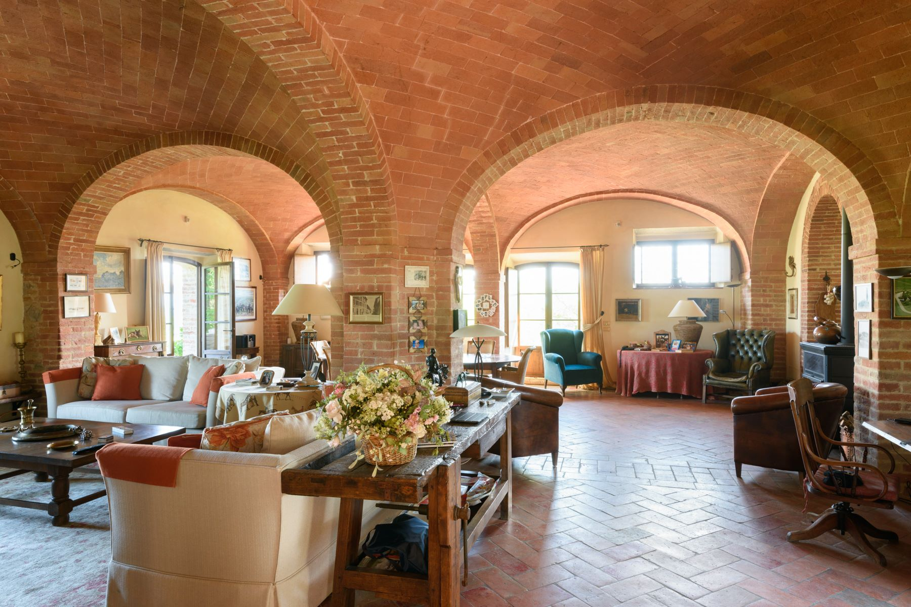 Additional photo for property listing at Tuscan countryhouse with 2,5 ha of vineyards Località Valcelle Torrita Di Siena, Siena 53049 Italy