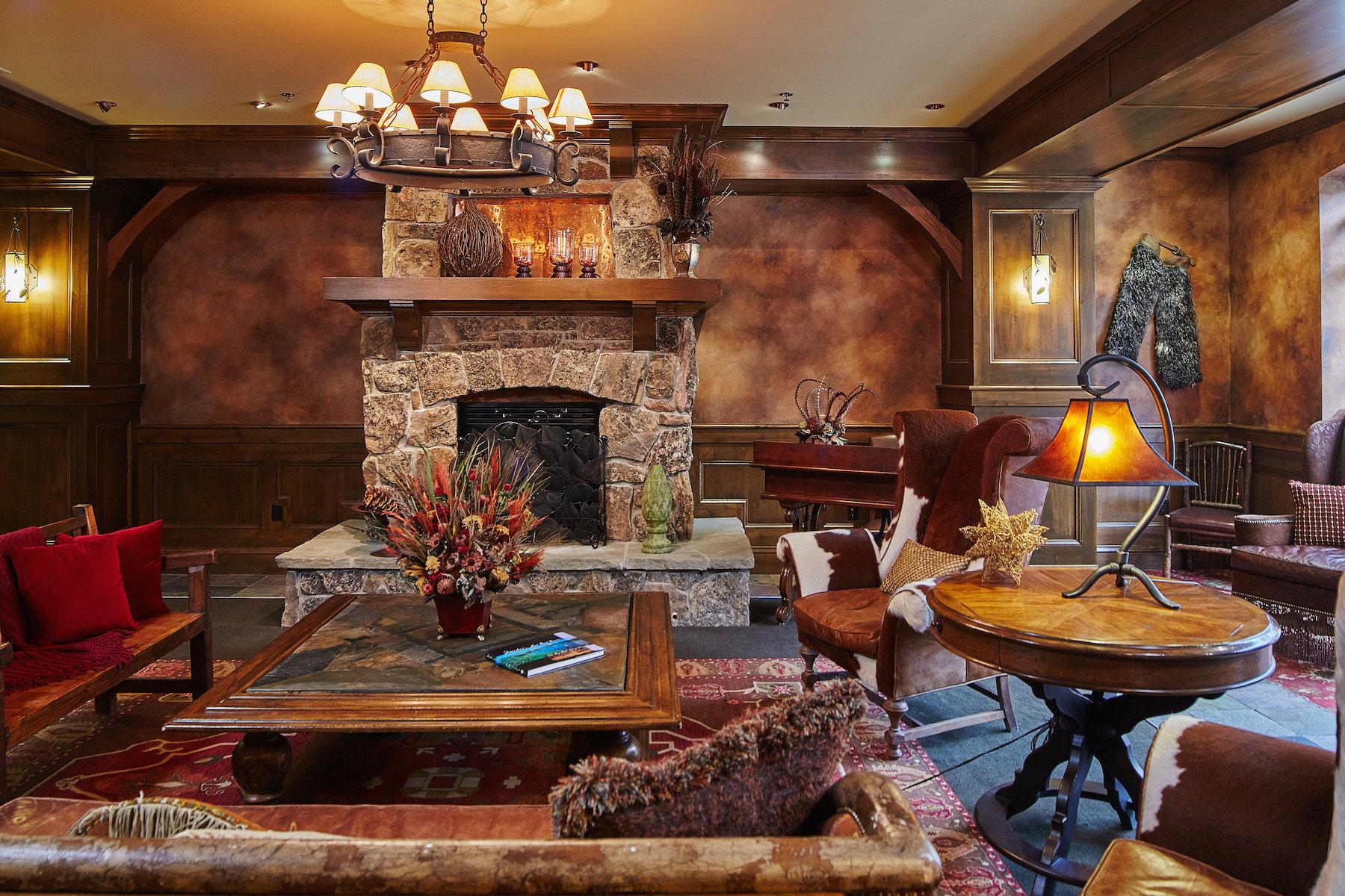 콘도미니엄 용 매매 에 Ski Condo - Village Center 48 Big Sky Resort Road Village Center 218 Big Sky, 몬타나, 59716 미국