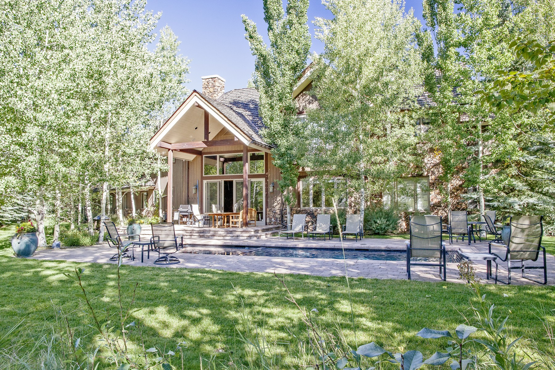 Additional photo for property listing at Spectacular Home Near the Big Wood River 33 Cliffside Dr Ketchum, Idaho 83340 Estados Unidos