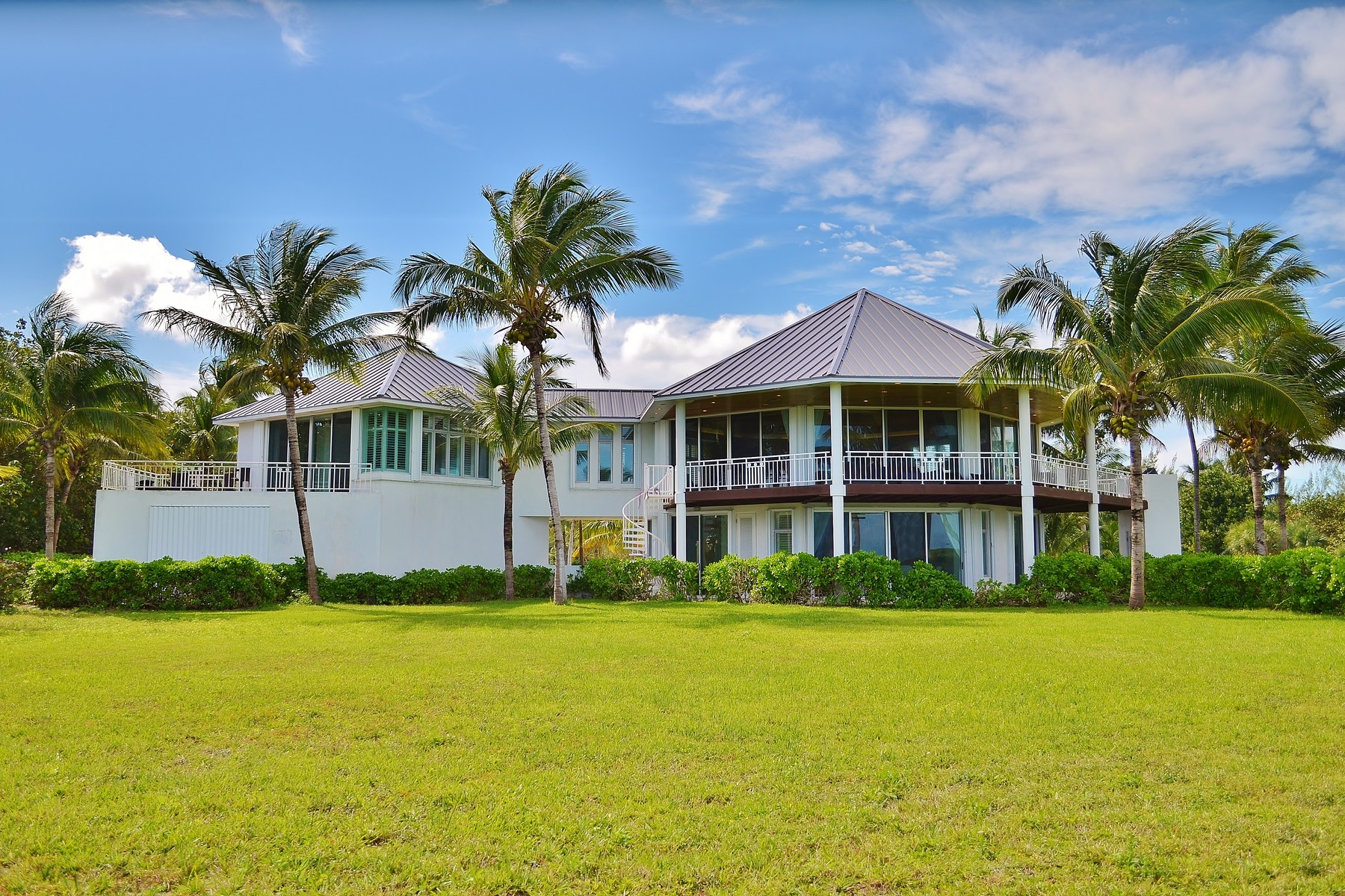 Additional photo for property listing at Serenity House Treasure Cay, Abaco Bahamas