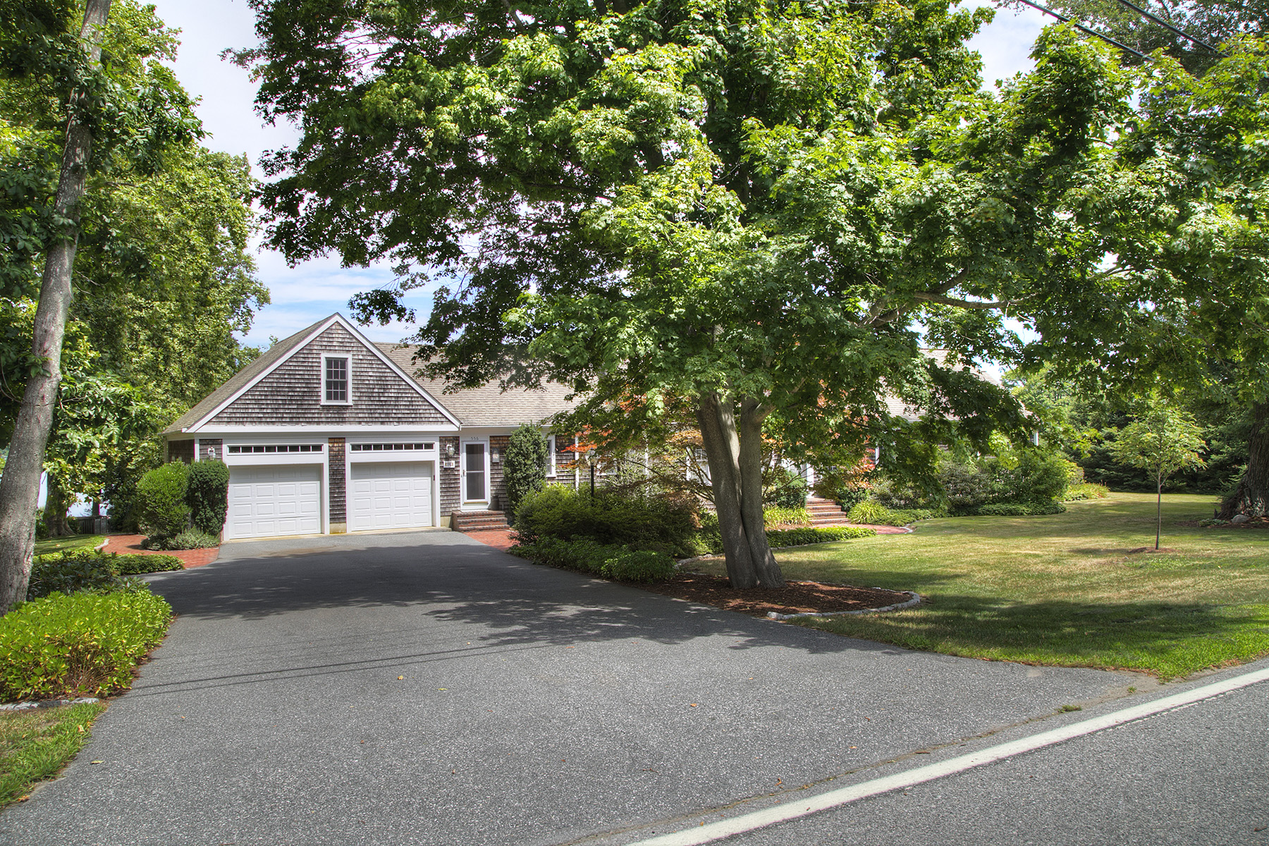 Additional photo for property listing at Nanaquaket Cape 556 Nanaquaket Road Tiverton, Rhode Island 02878 United States