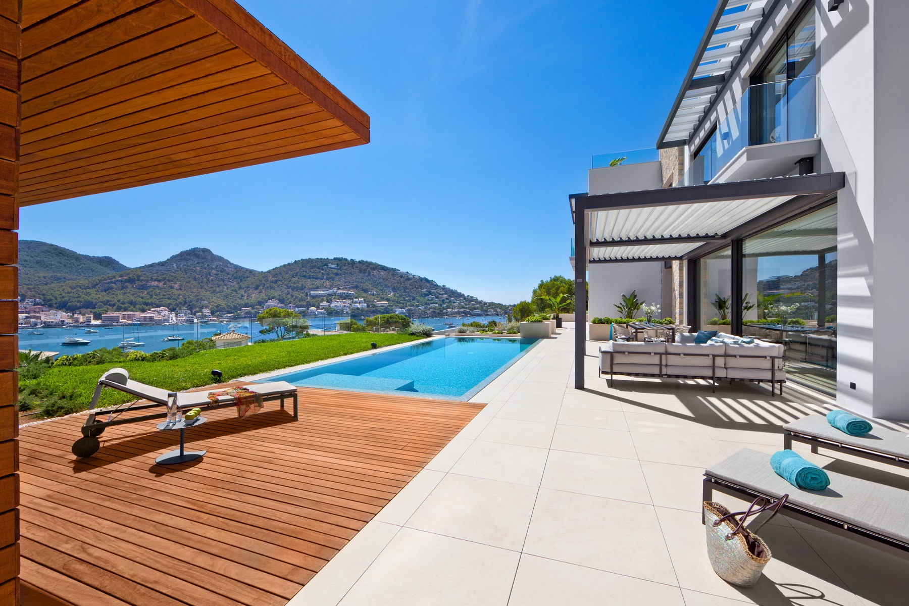 Single Family Home for Sale at Villa with view to Puerto de Andratx Port Andratx, Mallorca, 07157 Spain