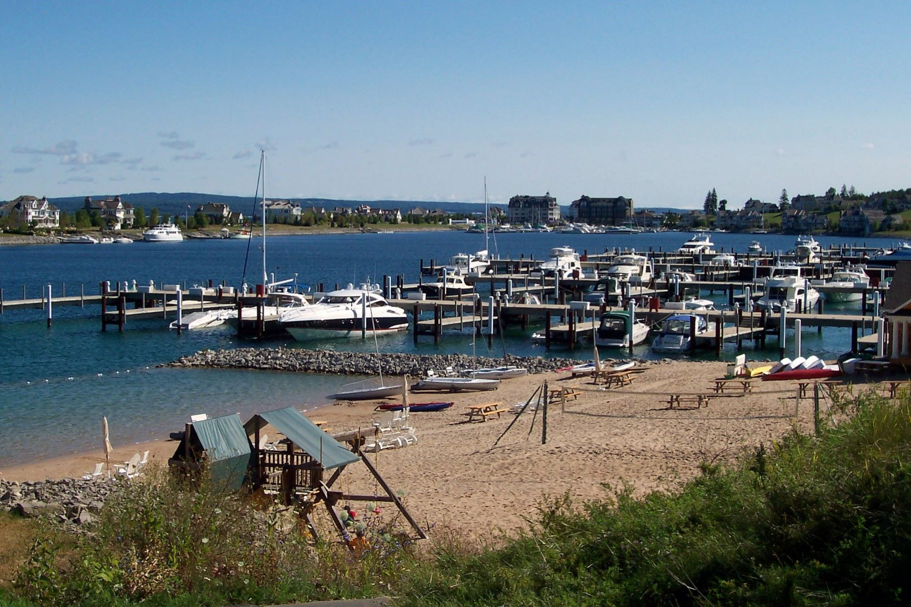 Additional photo for property listing at Vistas Unit 11 4590 Wildwinds Drive Bay Harbor, Michigan 49770 United States