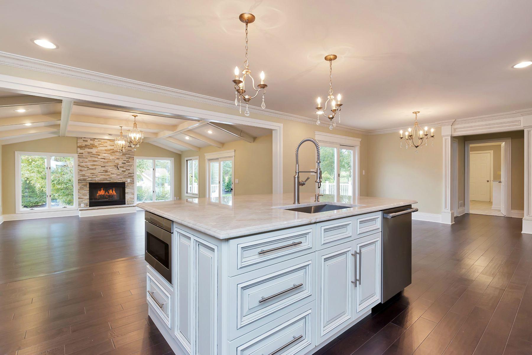 Maison unifamiliale pour l Vente à Elegant Custom Colonial 12 Meadowview Drive Colts Neck, New Jersey 07722 États-Unis
