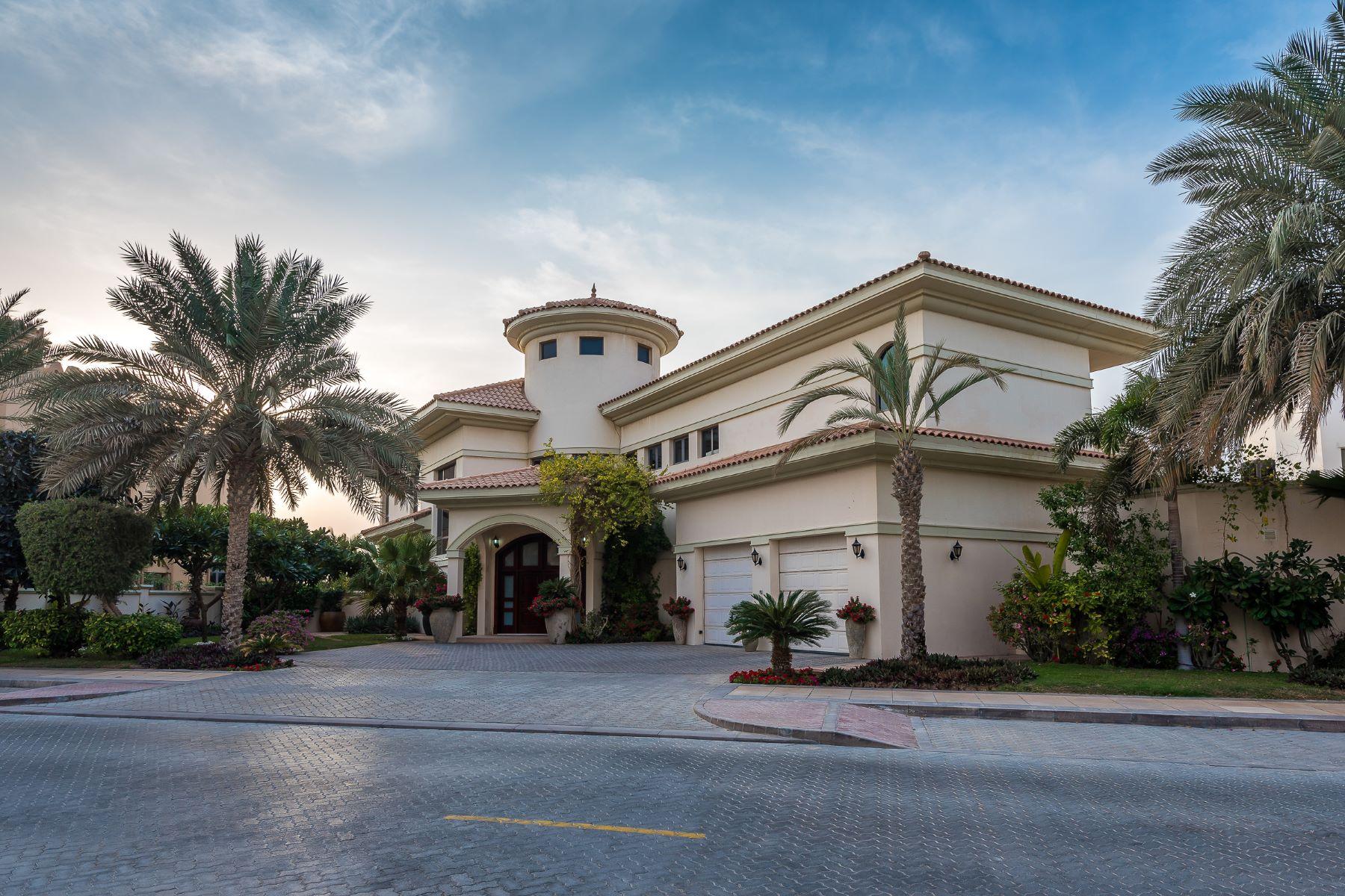 Частный односемейный дом для того Продажа на Atlantis Facing Riviera Villa Dubai, Объединенные Арабские Эмираты
