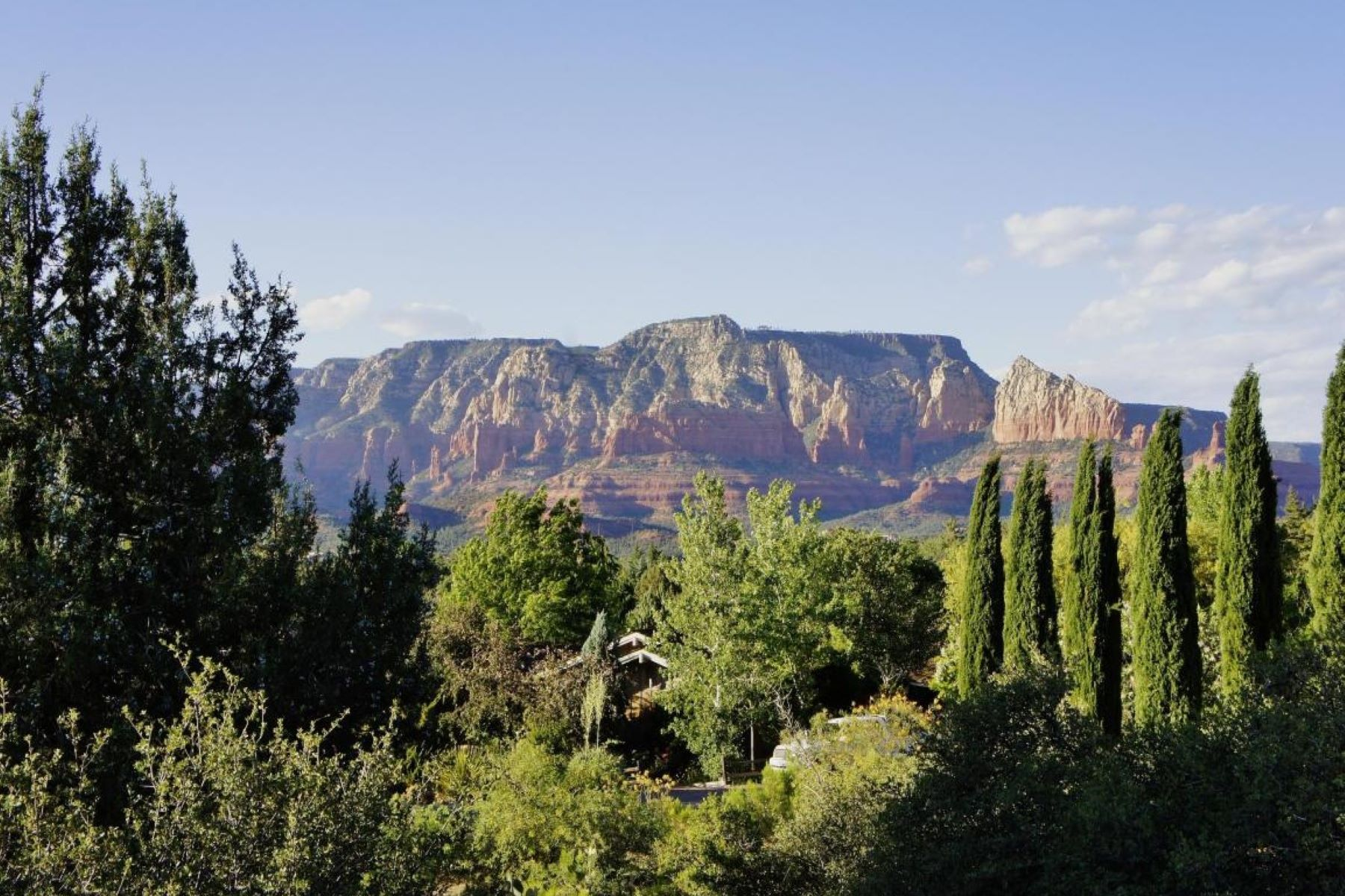 Terrain pour l Vente à Superb .36 acre home site offers magnificent sweeping views. 285 Rockridge Drive Sedona, Arizona, 86336 États-Unis