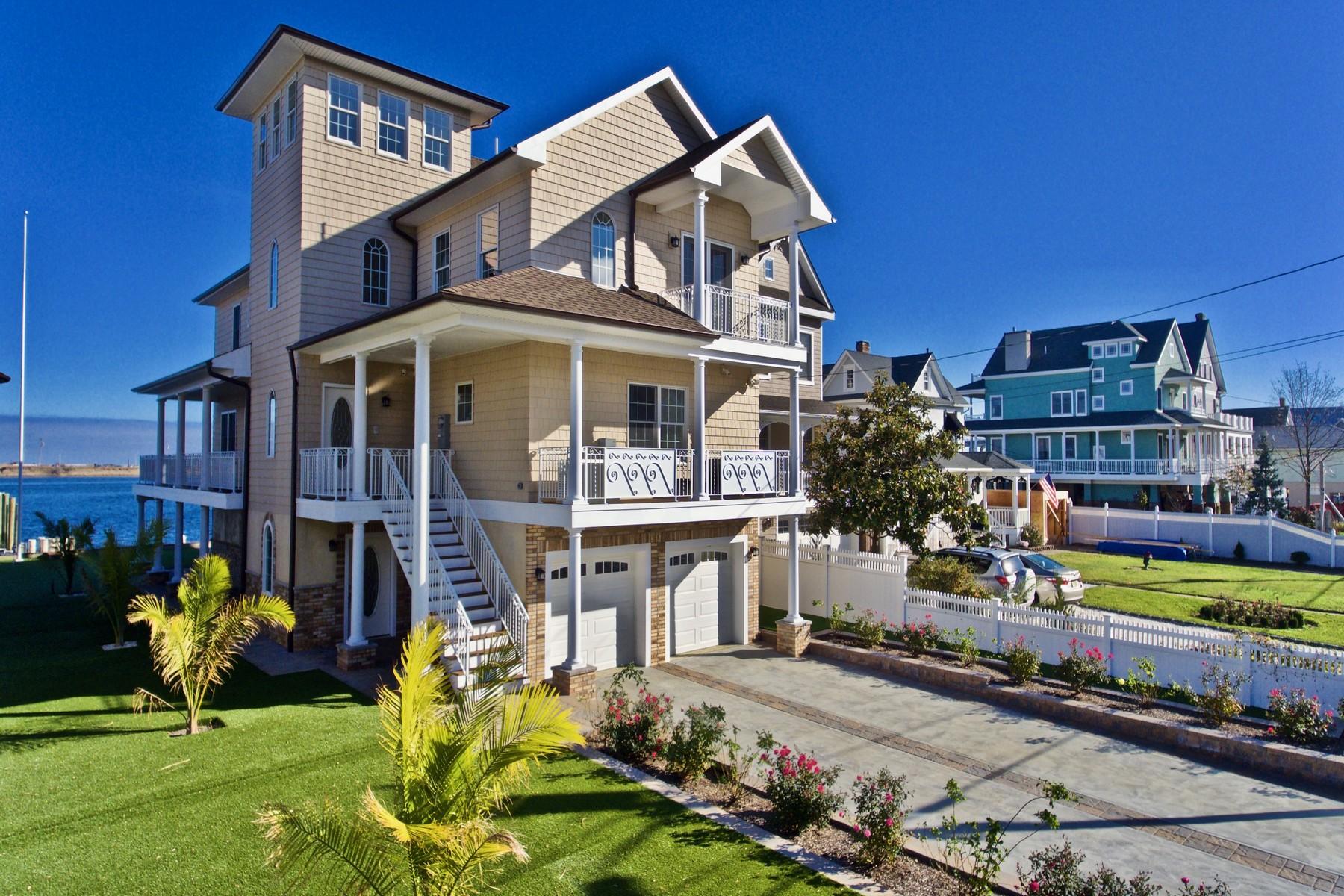 Single Family Home for Sale at 36 Shrewbury Ave. 36 Shrewsbury Ave. Highlands, 07732 United States