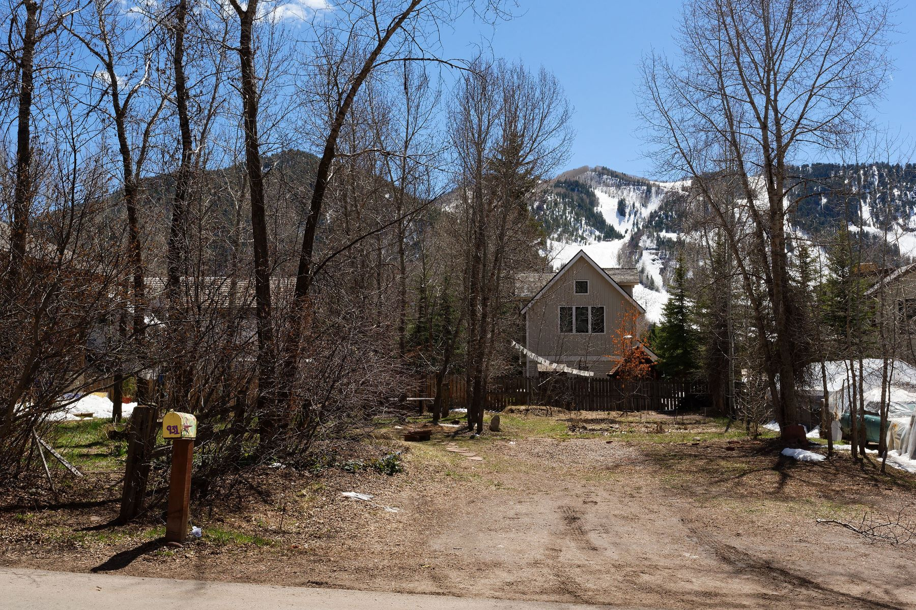 Land for Sale at Lots of Potential 931 Gibson Avenue, Smuggler, Aspen, Colorado, 81611 United States