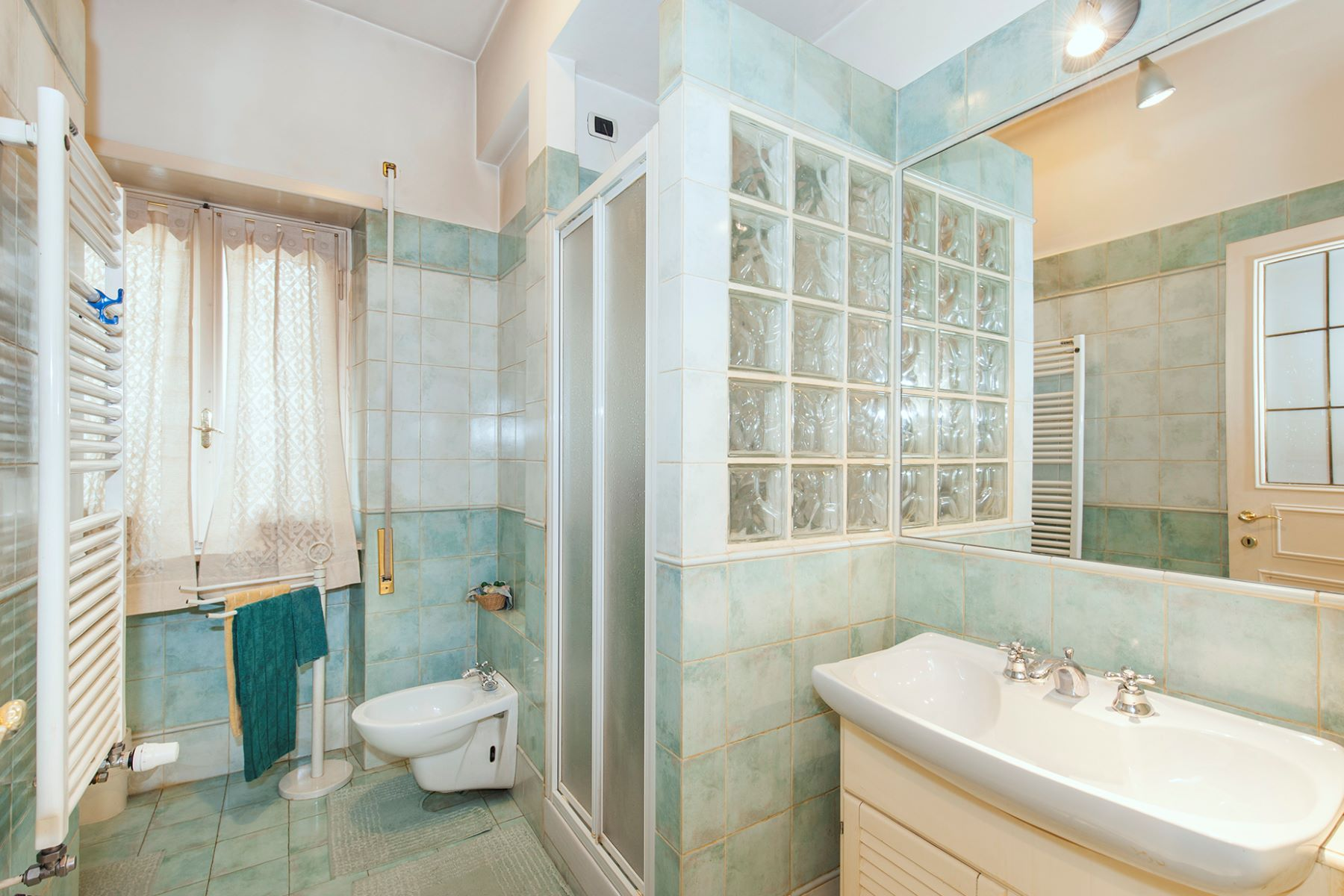 Additional photo for property listing at Elegant apartment in the green Rome, Rome Italie