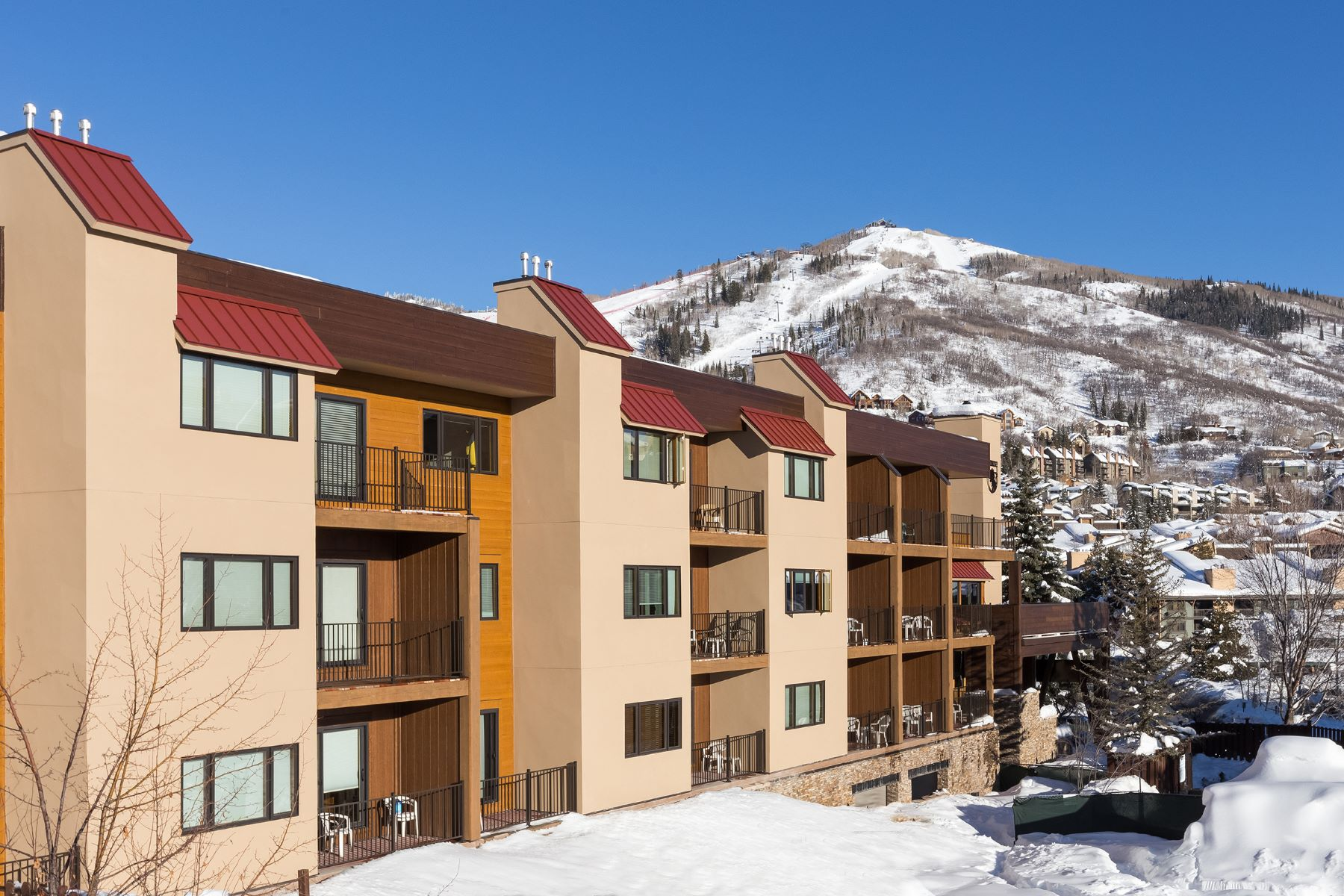 Appartement en copropriété pour l Vente à Steps to the Gondola Base 2200 Apres Ski Way, #212 Steamboat Springs, Colorado 80487 États-Unis