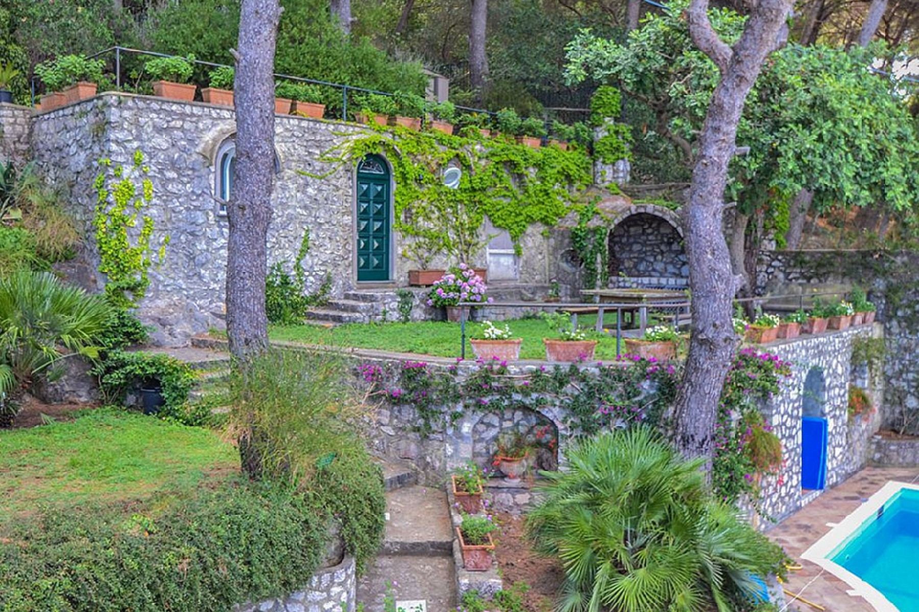 Additional photo for property listing at Magnificent panoramic villa Capri, Naples Italia