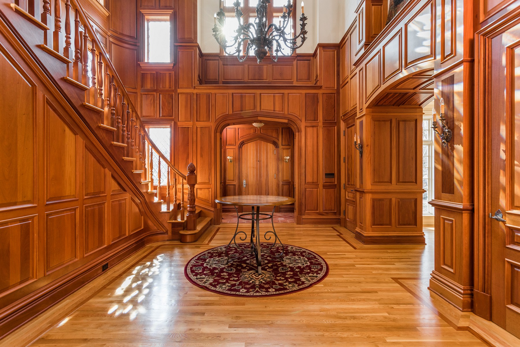 Additional photo for property listing at Privacy, Elegance & Function 7946 Mill Stream Circle Indianapolis, Indiana 46278 United States