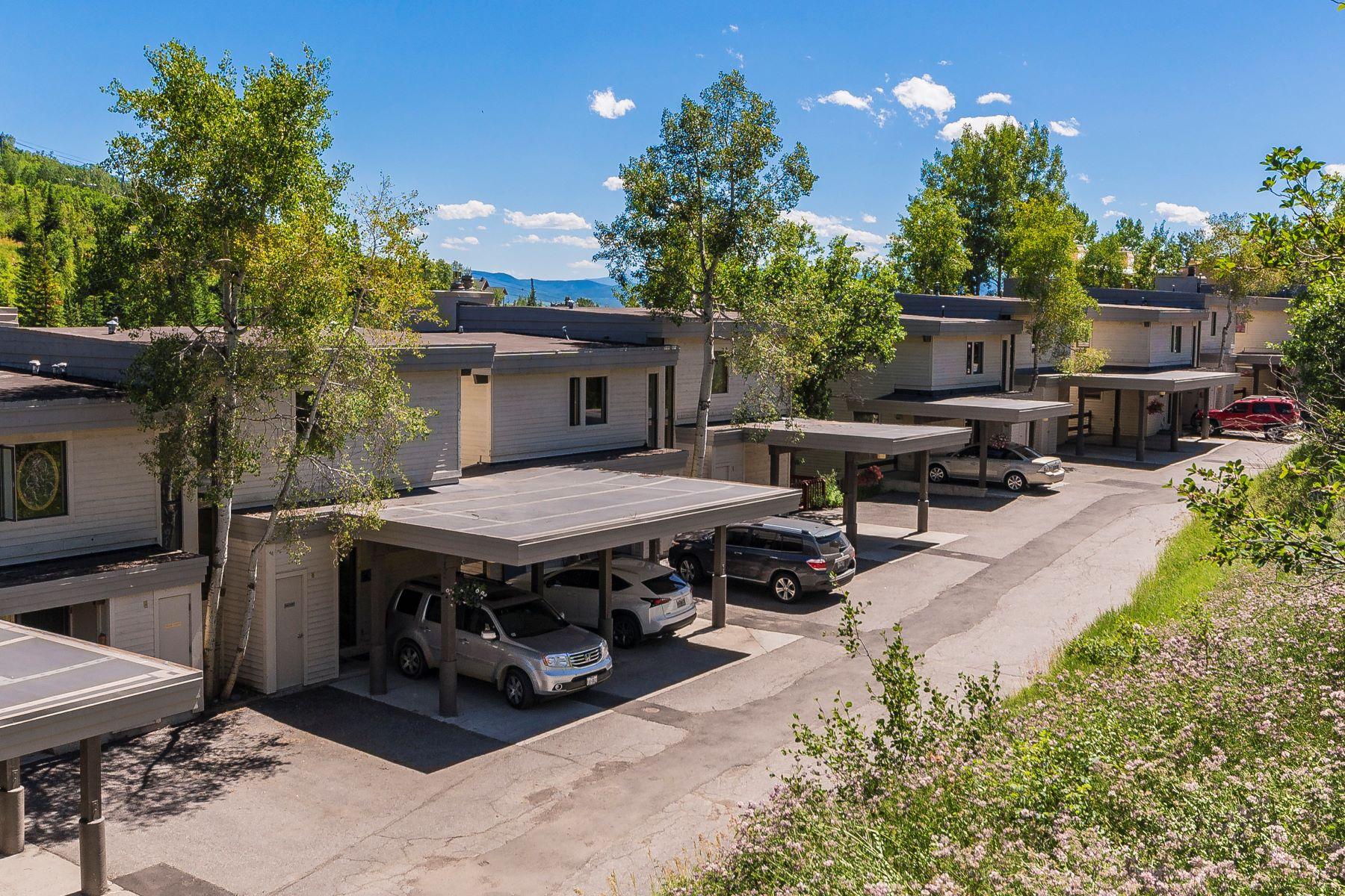 Maison en rangée pour l Vente à Storm Meadows Townhome 2415 Storm Meadows Drive #9 Steamboat Springs, Colorado, 80487 États-Unis