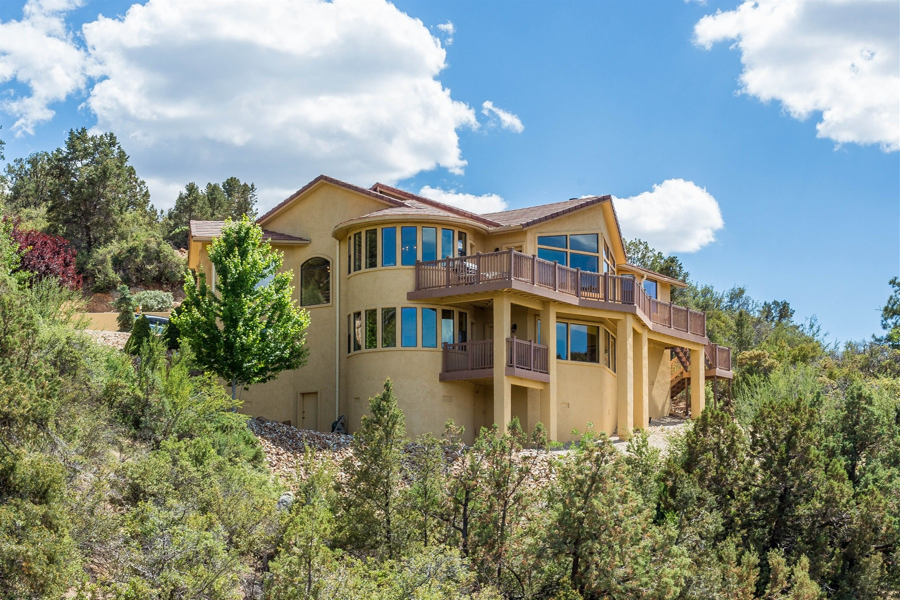 Single Family Home for Sale at Lovely custom home close to downtown 1298 S Manzanita Hill Road Prescott, Arizona, 86303 United States