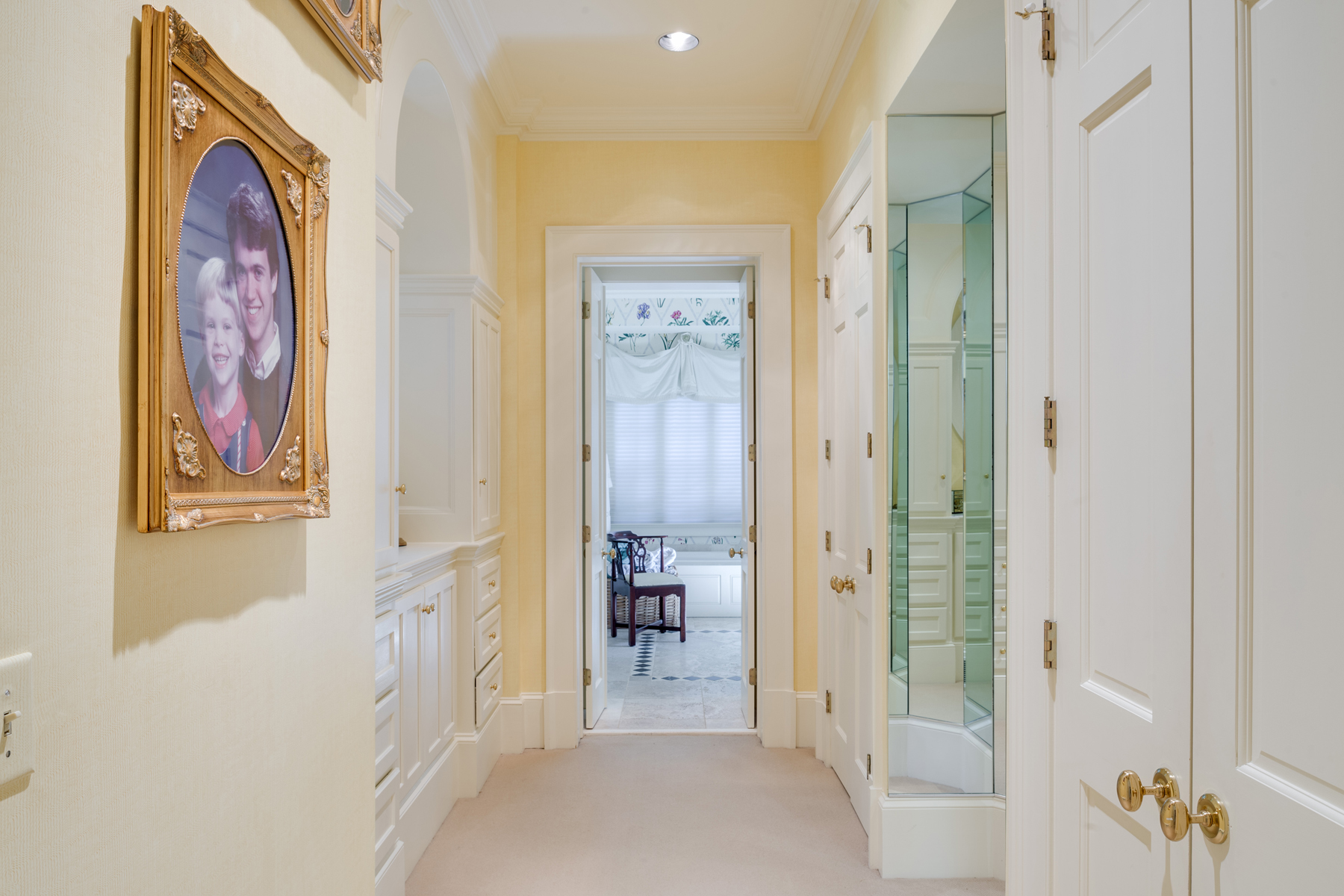 Additional photo for property listing at Grand and Traditional 30 Old Ridgewood Place NW Atlanta, ジョージア 30327 アメリカ合衆国