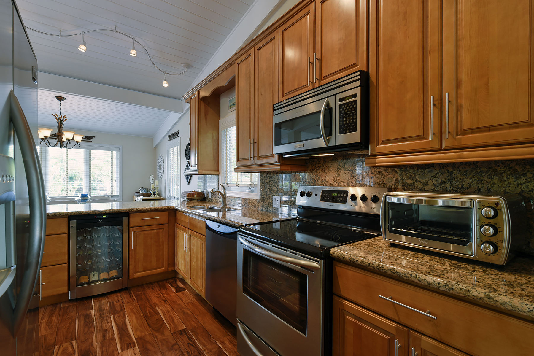 Additional photo for property listing at Serene Canalfront Home 150 Rushton Lane Key Largo, Флорида 33037 Соединенные Штаты