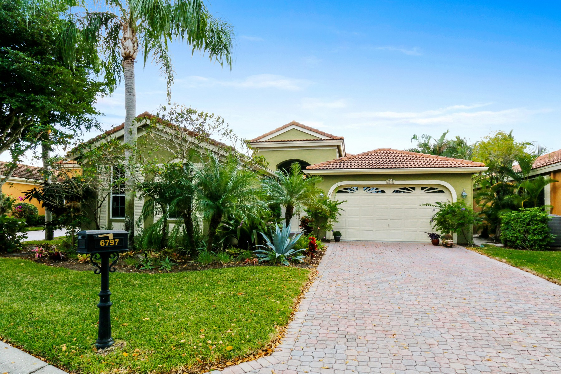 Maison unifamiliale pour l Vente à 6797 Portside Dr , Boca Raton, FL 33496 6797 Portside Dr Boca Raton, Florida, 33496 États-Unis