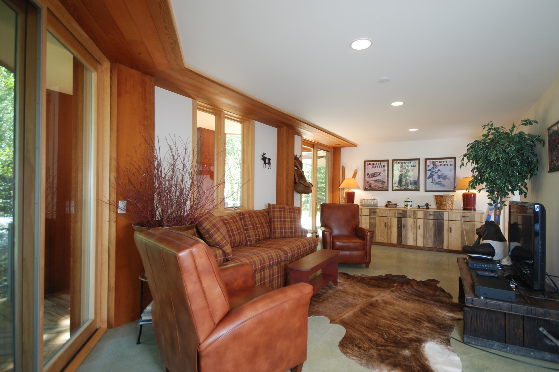 Additional photo for property listing at Classic, Contemporary Riverfront 126 Timberline Road Hailey, Idaho 83333 États-Unis