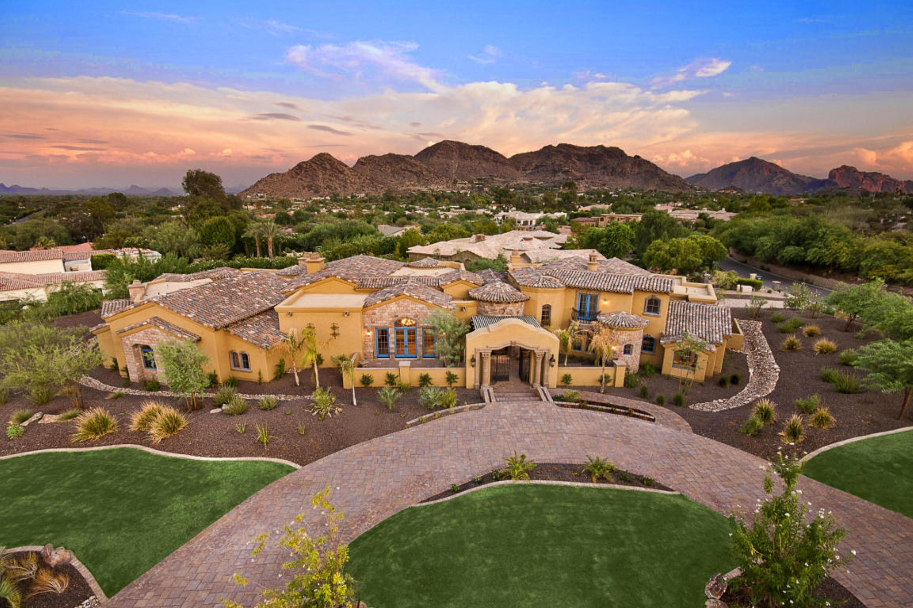Casa Unifamiliar por un Venta en Wonderful artistic Italian masterpiece in Paradise Valley 8329 N Ridgeview Dr Paradise Valley, Arizona, 85253 Estados Unidos