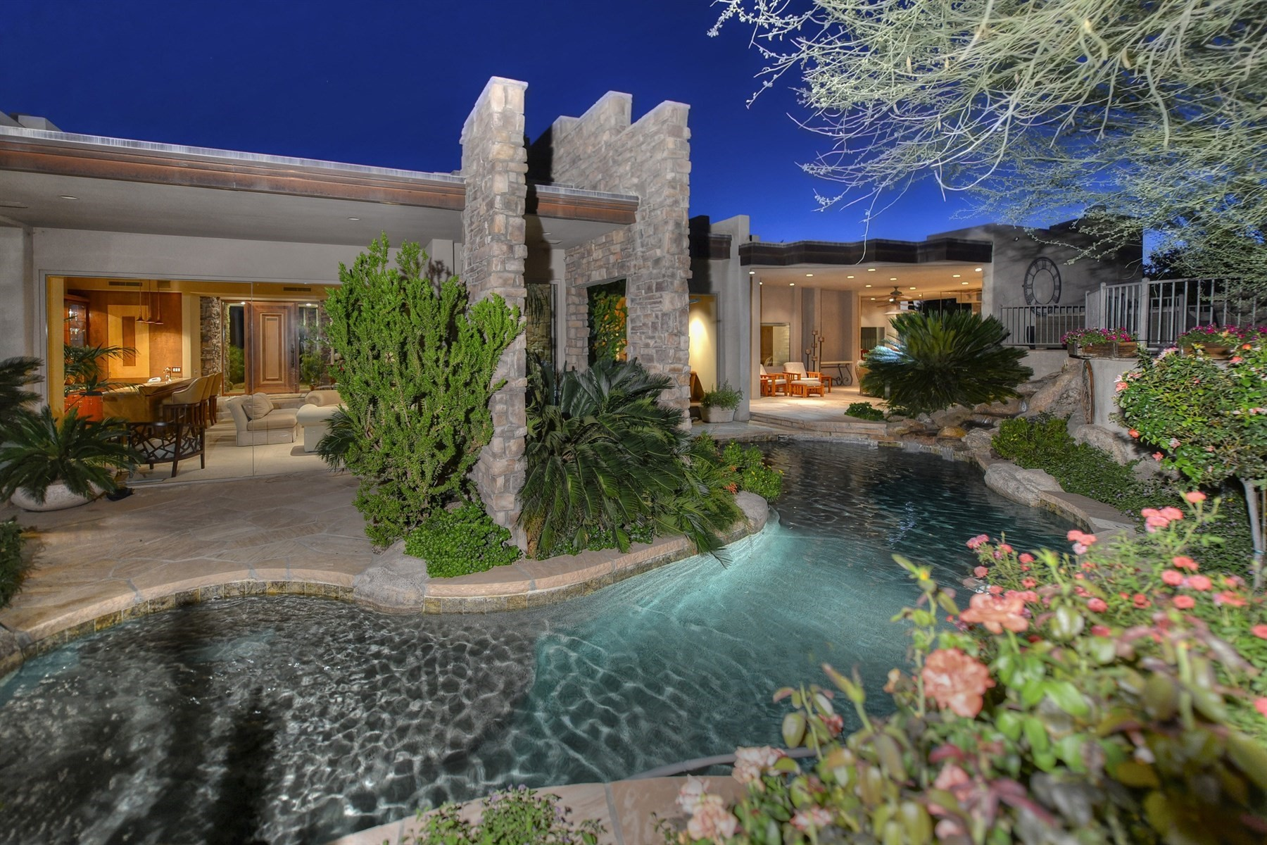 Single Family Home for Sale at Stunning Soft Contemporary 27597 N 96th Pl Scottsdale, Arizona, 85262 United States