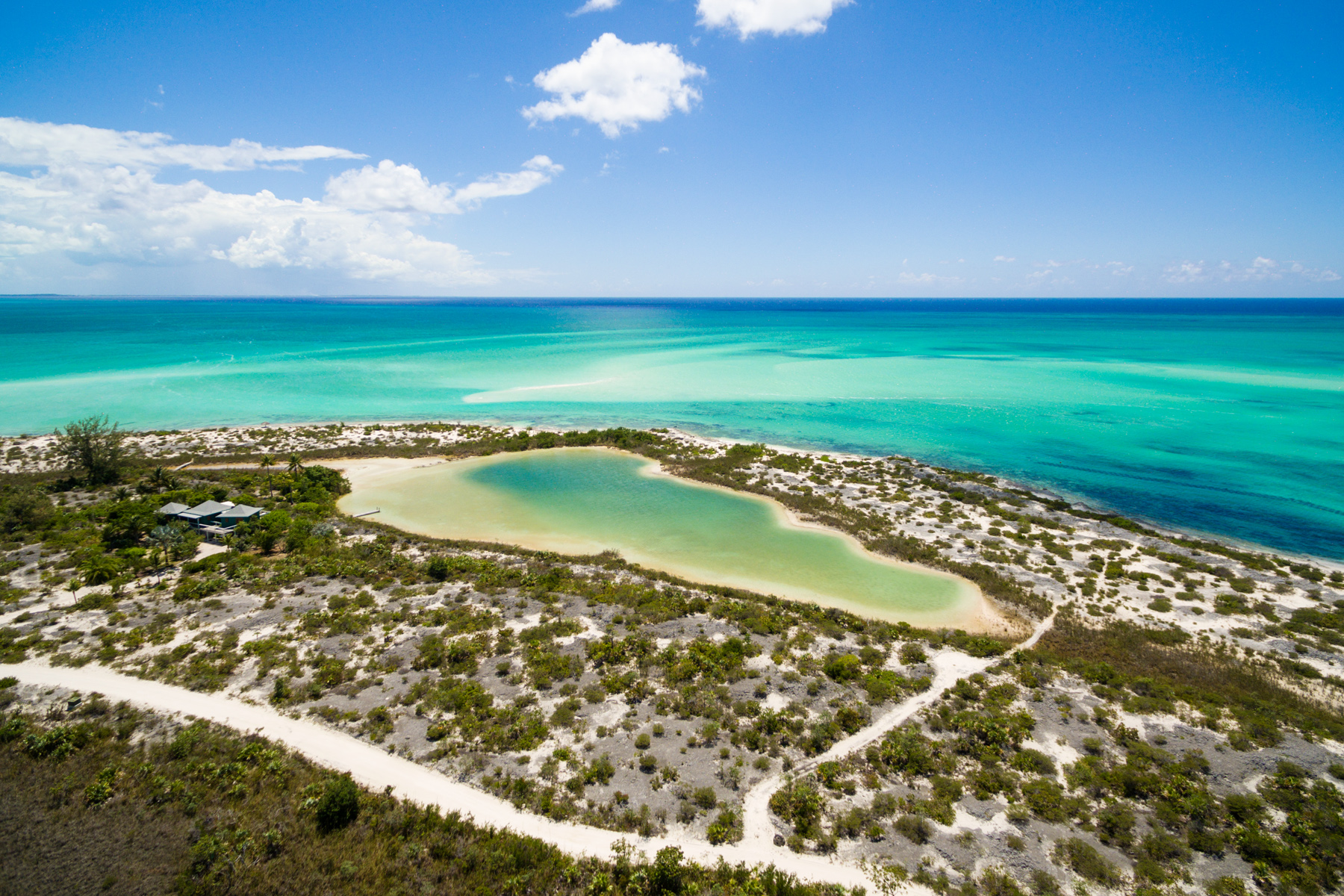 Additional photo for property listing at Sand Dollar Point Ocean Front Pine Cay, Pine Cay TC Islas Turcas Y Caicos