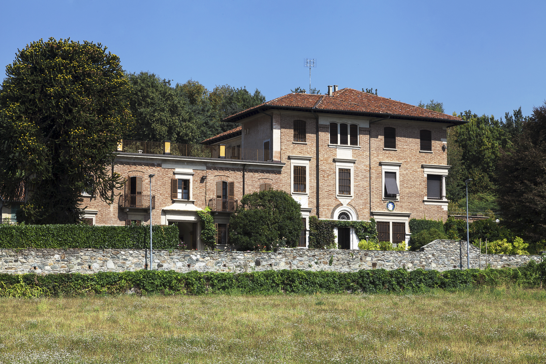 Maison unifamiliale pour l Vente à Unique Villa with swimming pool Piazza Rampone Biella, Biella 13883 Italie