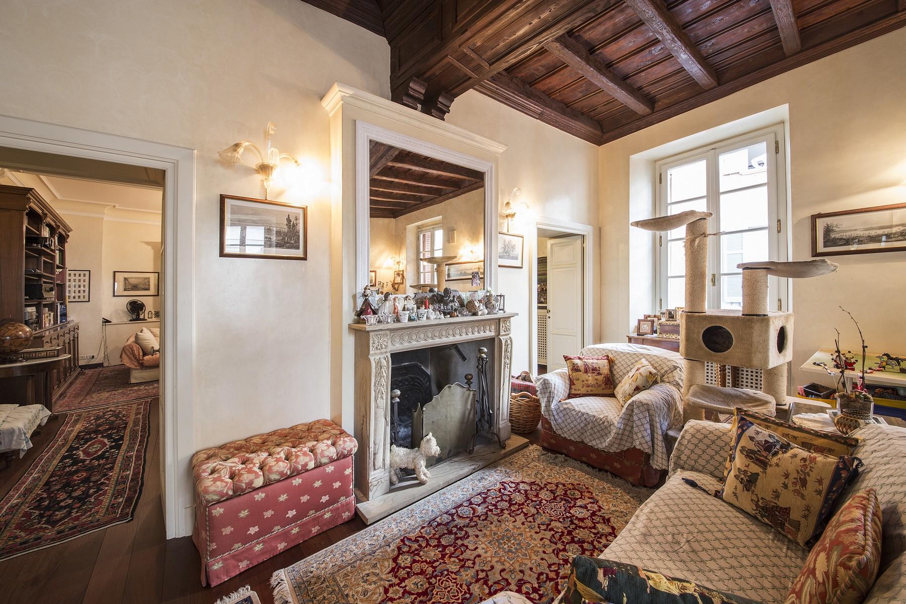 Additional photo for property listing at Wonderful apartment in prestigious building in the center of Como Via Bonanomi Como, Como 22100 Italy