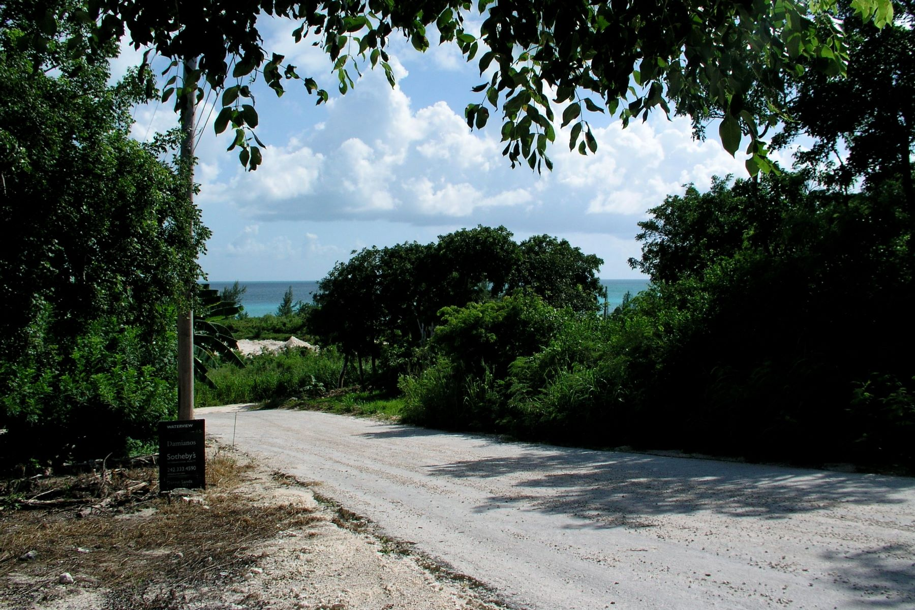Additional photo for property listing at Pelican Bay - Lot 18 Spanish Wells, Eleuthera Bahamas