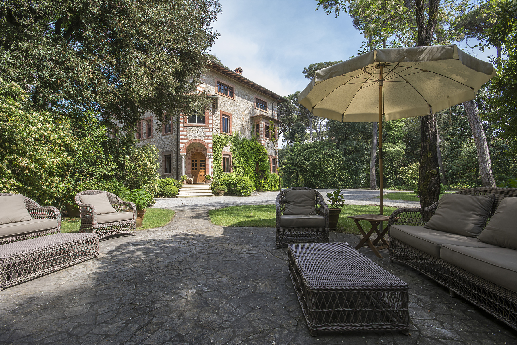 Single Family Home for Sale at Lovely villa a few steps away from the beach Forte Dei Marmi, Italy