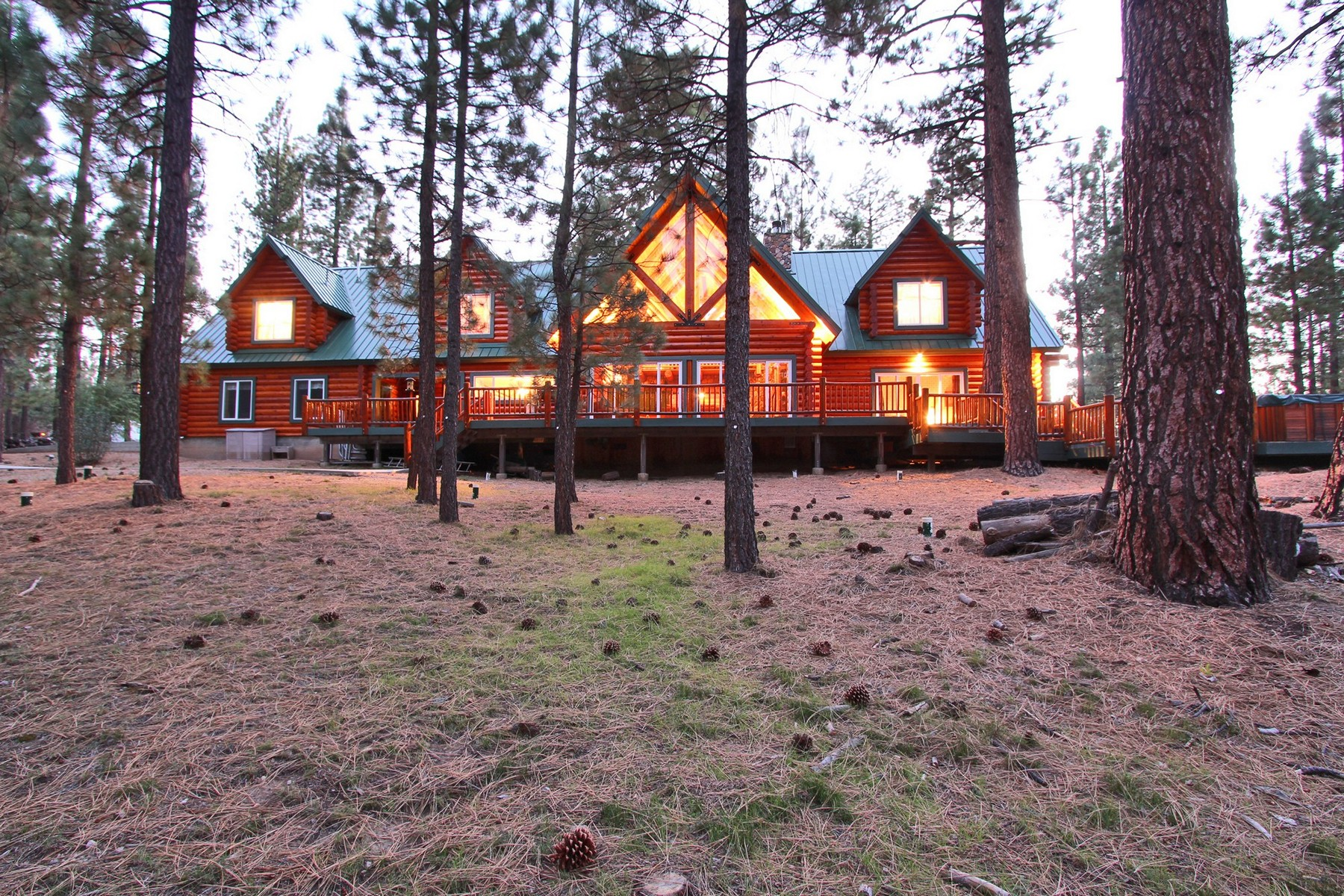 Maison unifamiliale pour l Vente à Timber Lodge 125 N. Starvation Flats Big Bear Lake, Californie, 92315 États-Unis