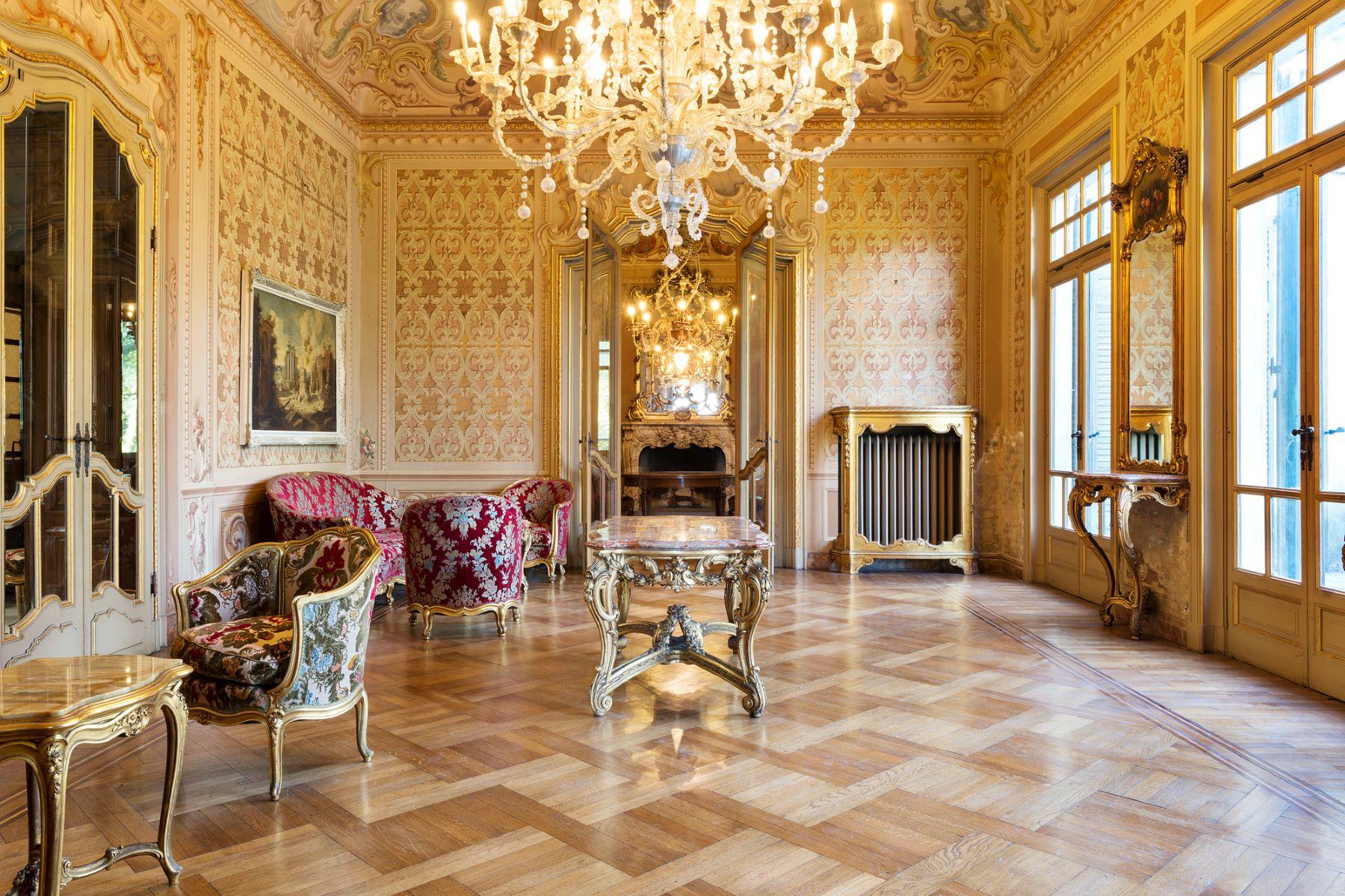 Einfamilienhaus für Verkauf beim Beautiful Art Nouveau villa viale 1° Maggio Salsomaggiore Terme, Parma 43125 Italien