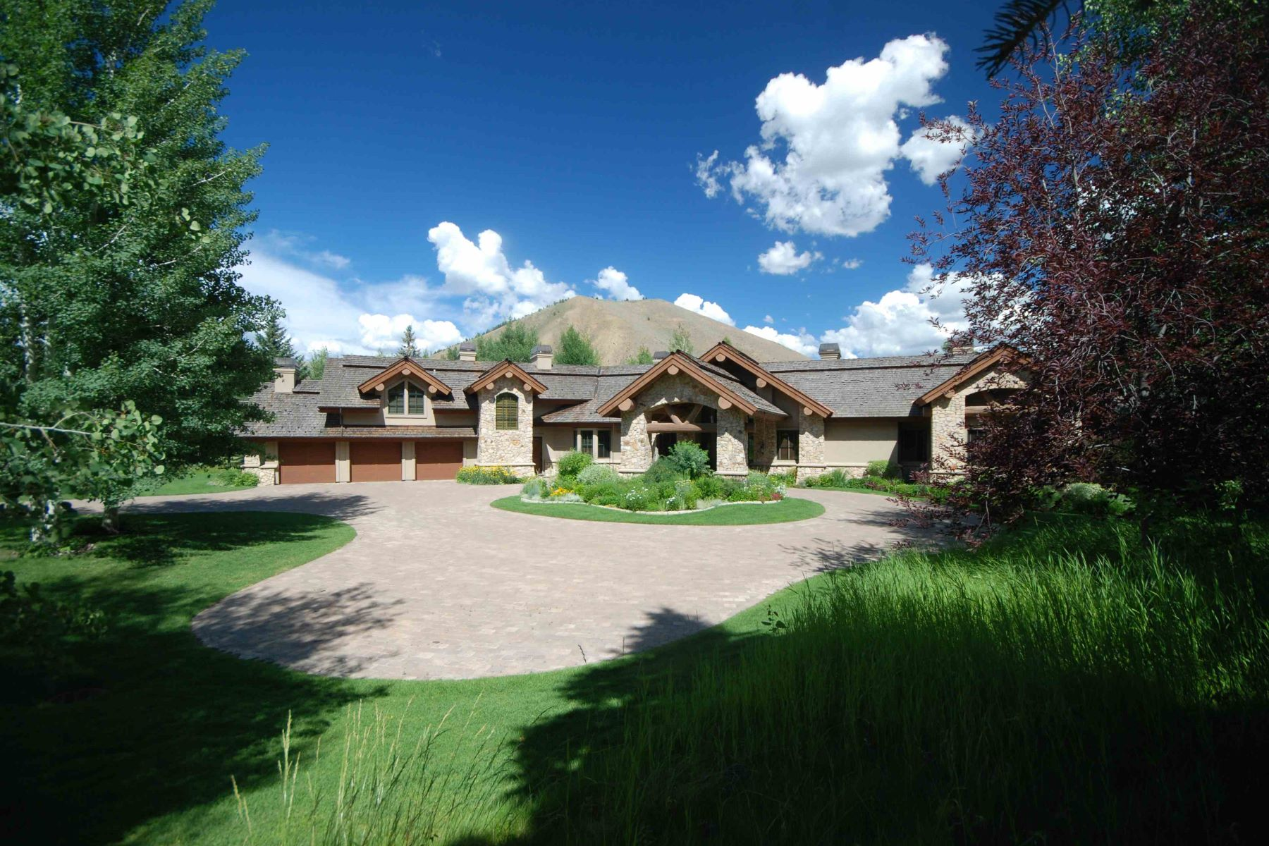 Additional photo for property listing at Quiet Lakefront Living 120 Eagle Lake Drive Sun Valley, Idaho 83353 United States