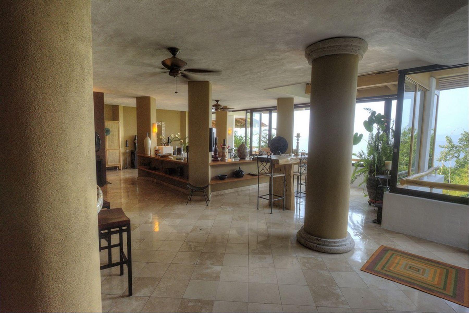 Additional photo for property listing at Montemar 8 Paseo de los Delfines 136 DP 8 Puerto Vallarta, Jalisco 48399 México