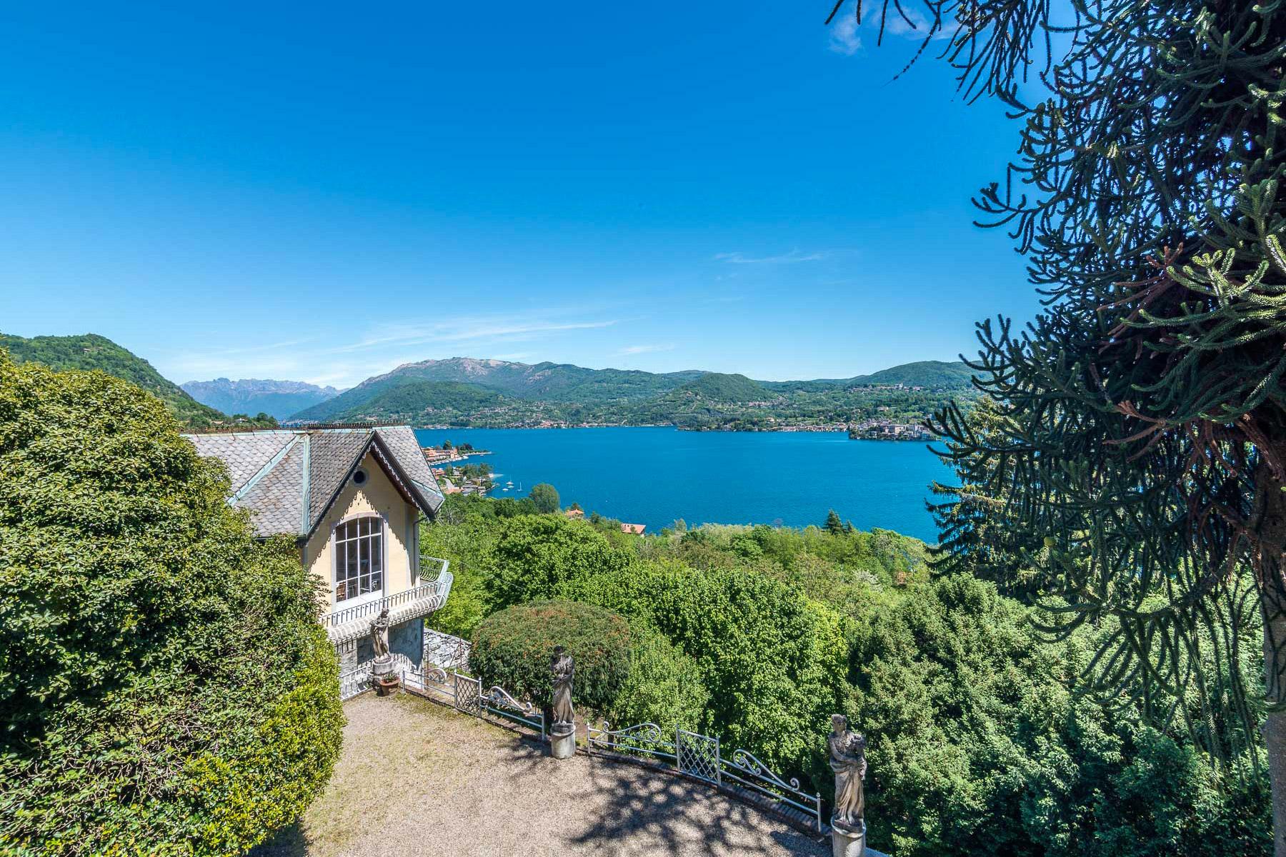 Additional photo for property listing at Enchanting Villa overlooking Orta Lake Via Pietro Durio Pella, Novara 28010 Italien