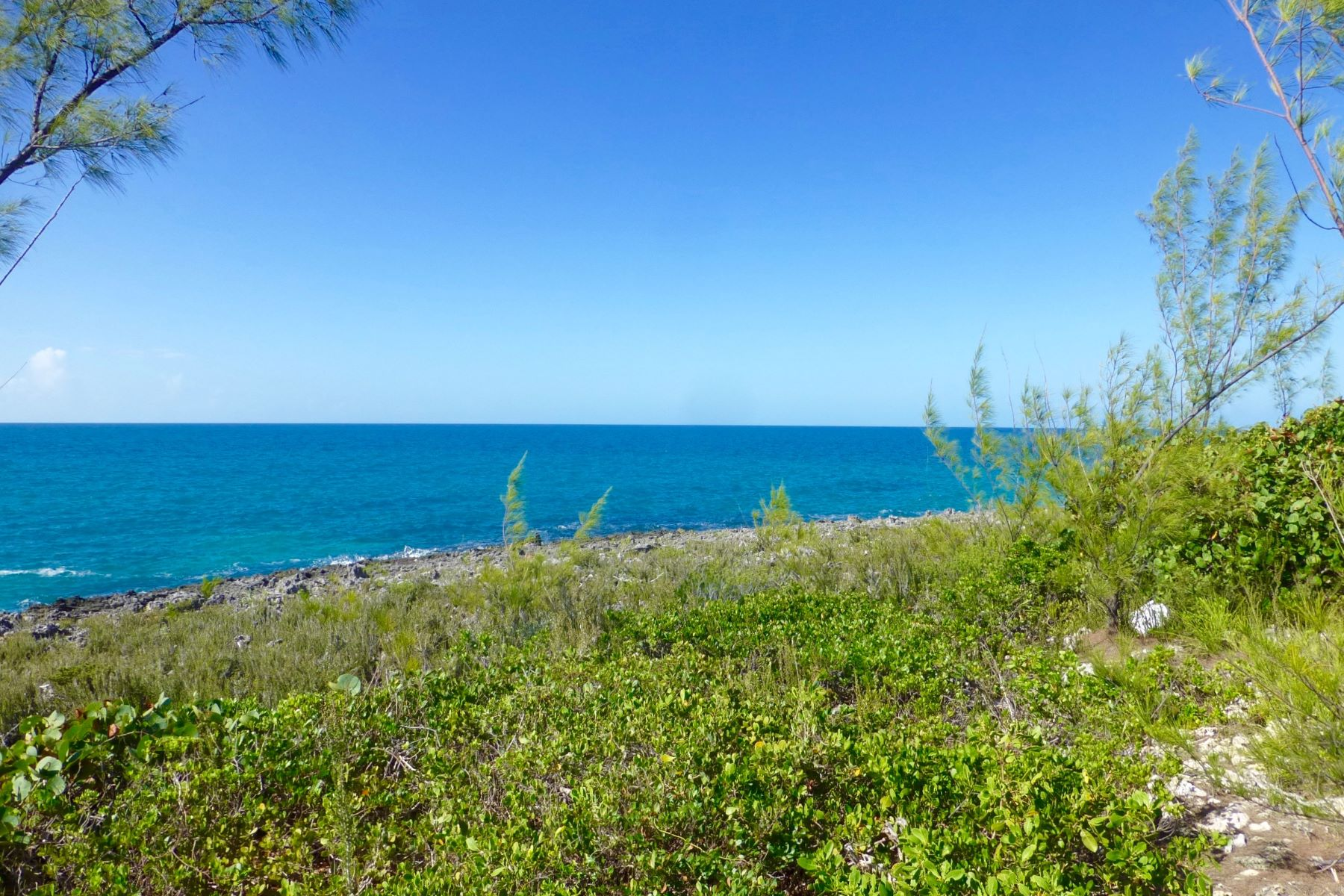 Terreno por un Venta en Desired Waterfront Property in Rainbow Bay Rainbow Bay, Eleuthera Bahamas