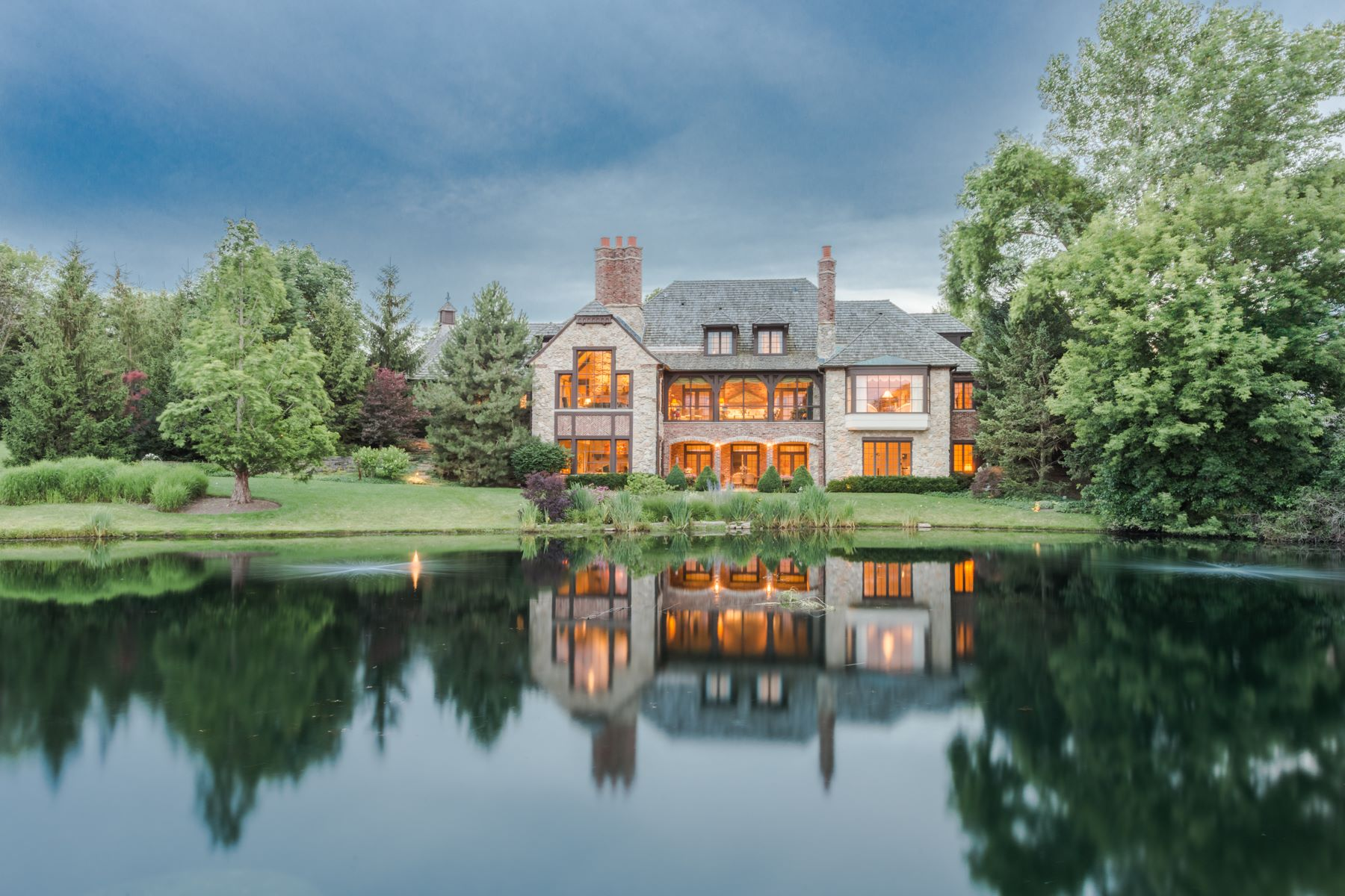 Maison unifamiliale pour l Vente à 12 Kensington Drive Wynstone North Barrington, Illinois, 60010 États-Unis