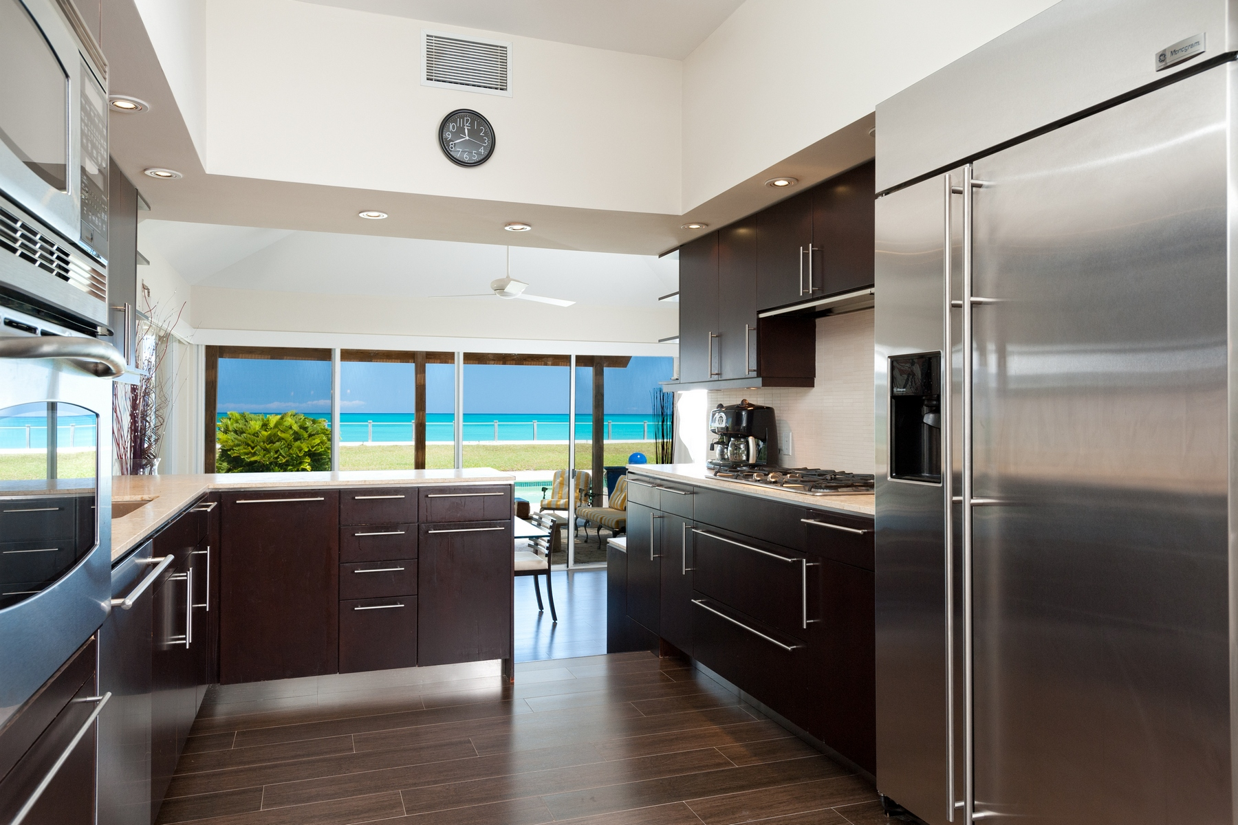 Additional photo for property listing at Conch Villa ~ Vacation Rental Beachfront Leeward, Providenciales TC Islas Turcas Y Caicos