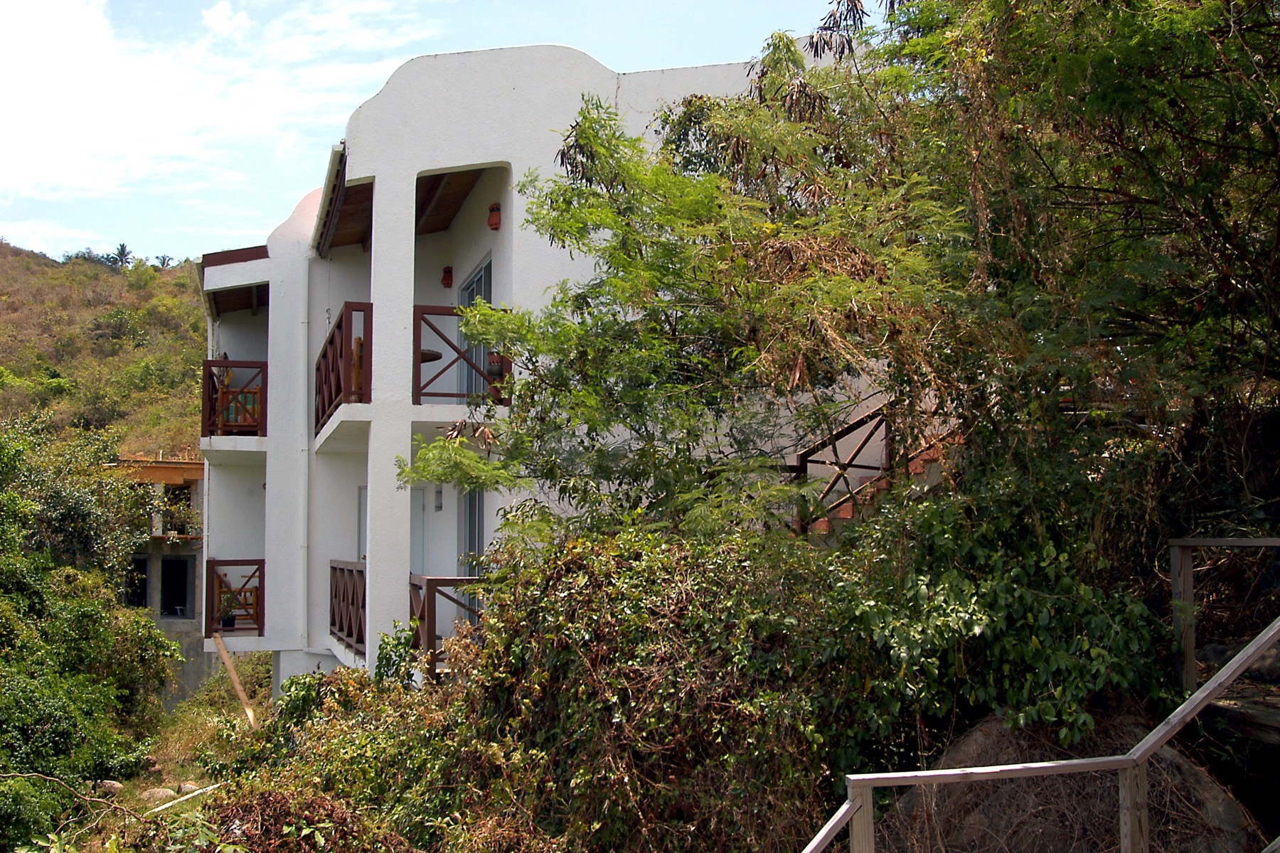 Многосемейный дом для того Продажа на Lambert Condo Complex Lambert Beach, Тортола Британские Виргинские Острова