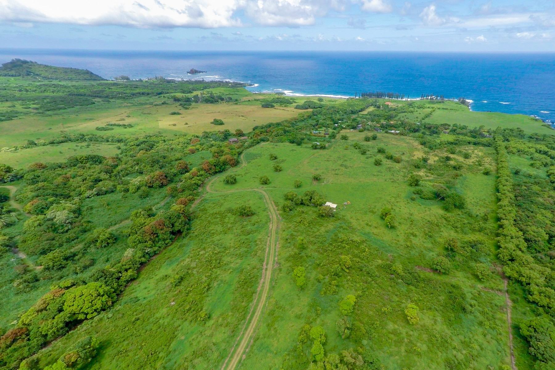 Земля для того Продажа на Over 16 Acres in Beautiful Maka'alae - Hana, Maui 213 Kapia Road, Lot #3-Parcel #68 Hana, Гавайи, 96713 Соединенные Штаты
