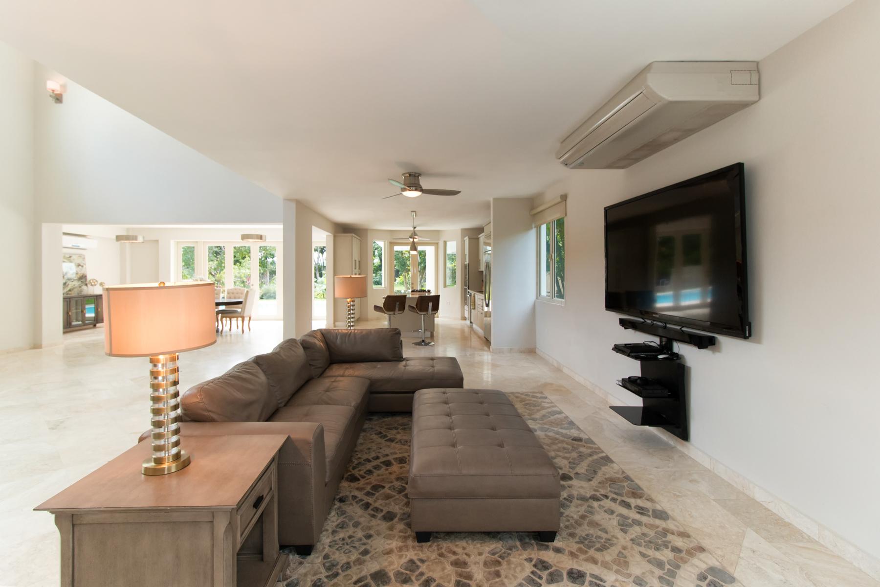 Additional photo for property listing at Gut Renovated Dorado Beach Five Bedroom 107 Dorado Beach East Dorado Beach, Puerto Rico 00646 Пуэрто-Рико