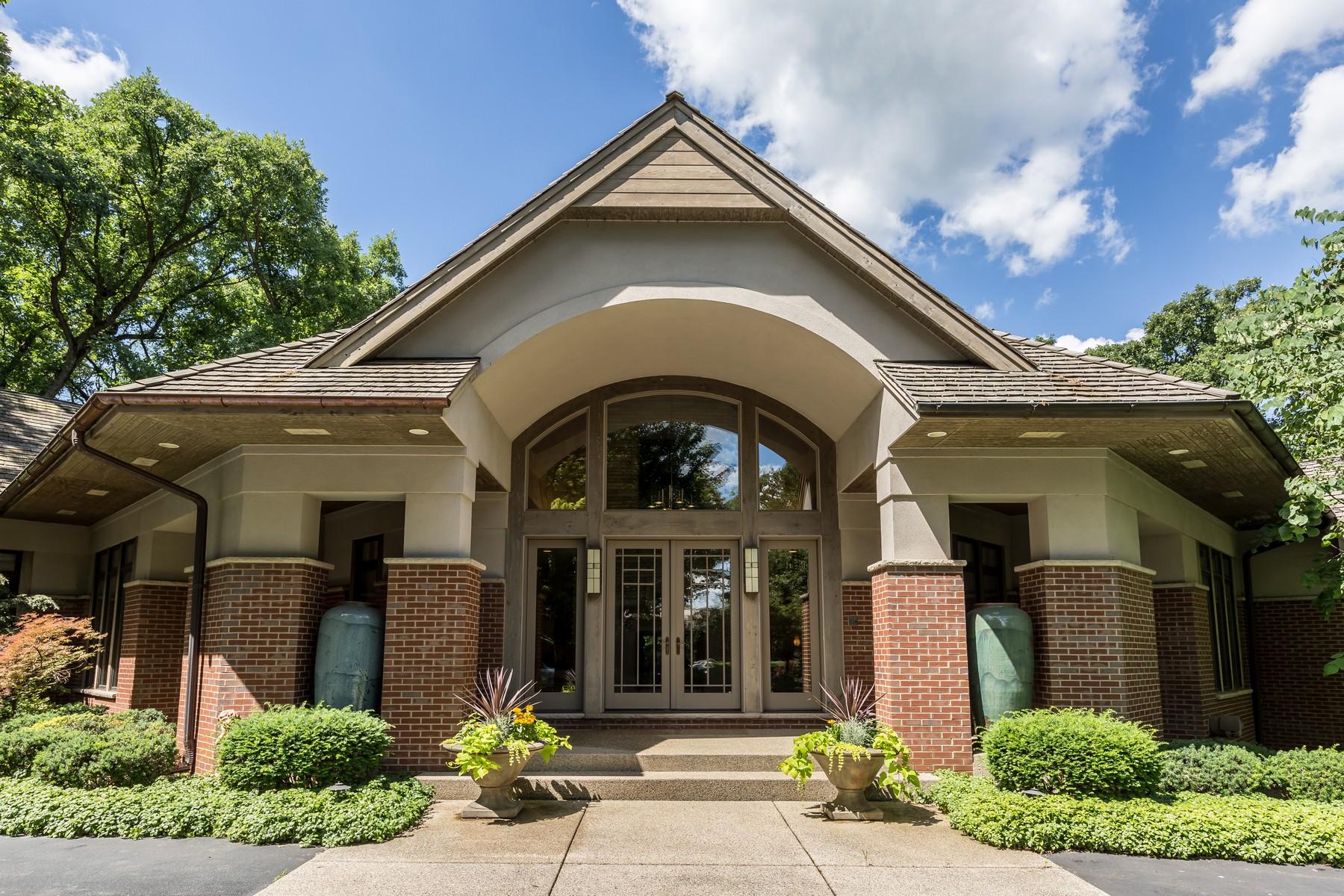 Tek Ailelik Ev için Satış at Stunning Custom Home 132 N Wynstone Drive North Barrington, Illinois, 60010 Amerika Birleşik Devletleri