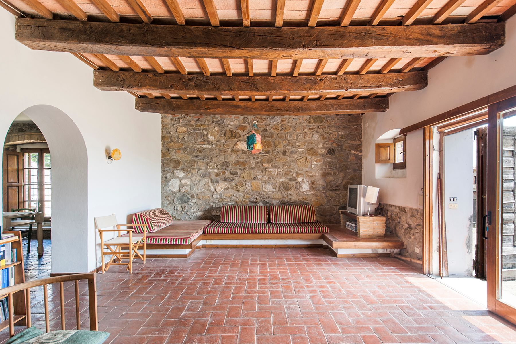 Additional photo for property listing at Panoramic farmhouse with a large agricultural estate Roccalbegna, Grosseto Italien