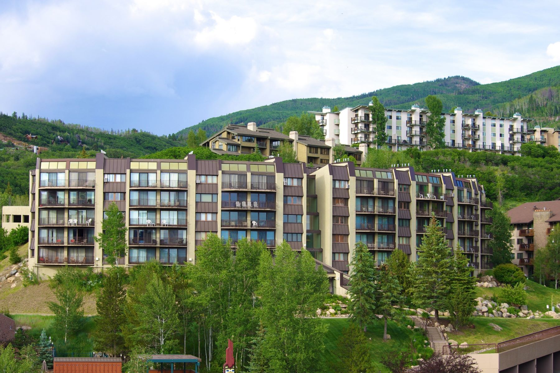 Additional photo for property listing at Ski-In/Ski-Out Bronze Tree Unit 1995 Storm Meadows Drive Unit 207 Steamboat Springs, Colorado 80487 United States