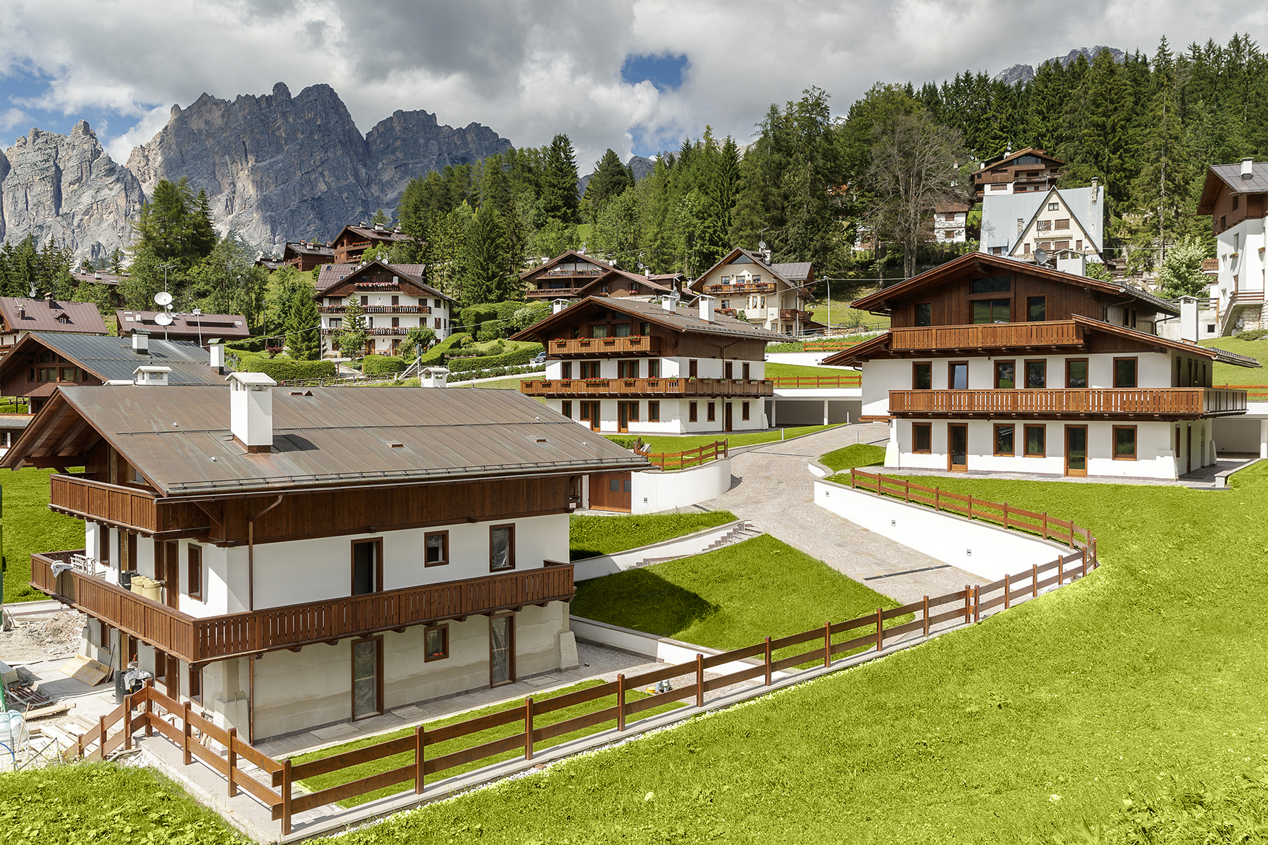 Additional photo for property listing at Exclusive Chalet à Cortina d'Ampezzo Cortina D'Ampezzo, Belluno Italie