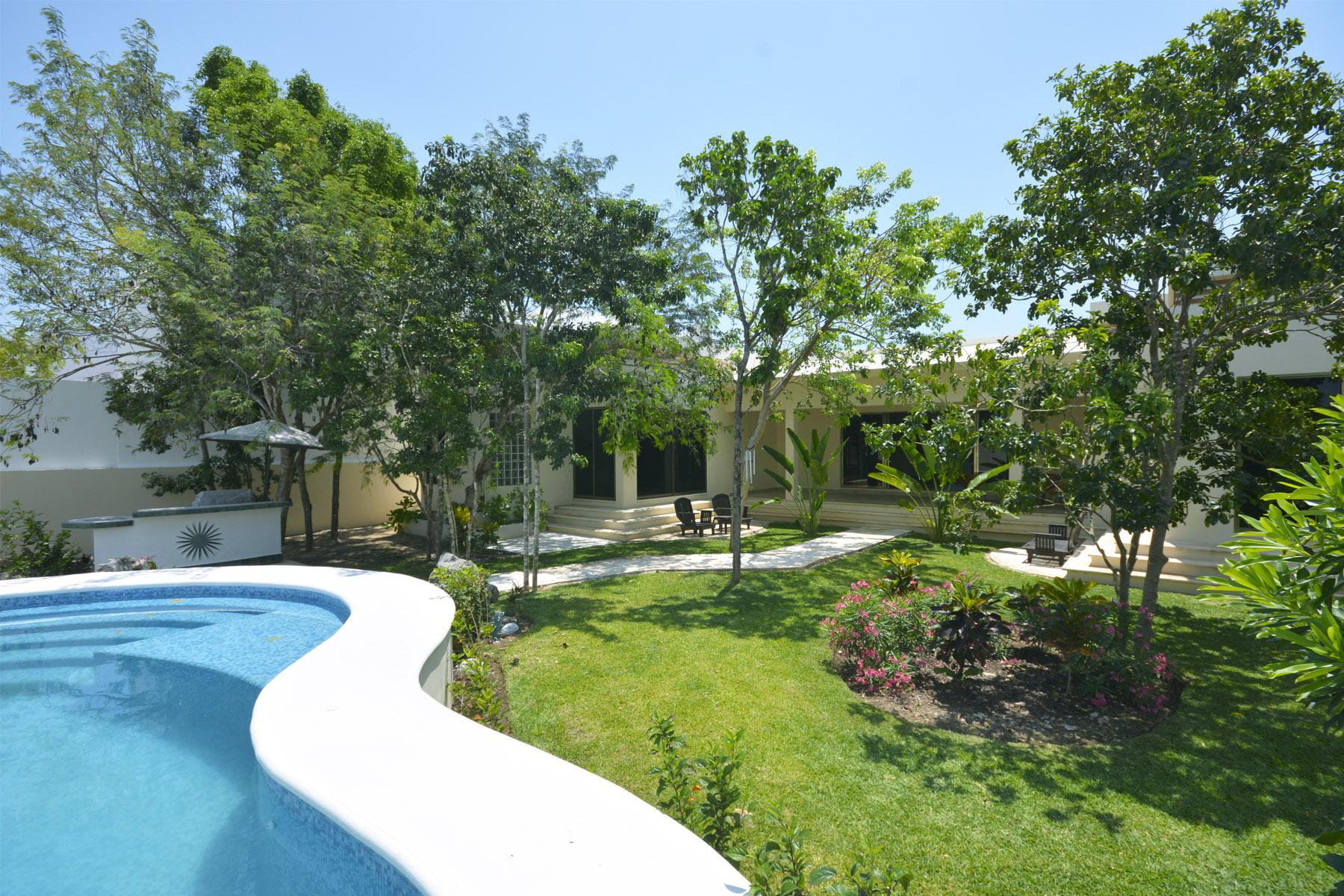 Single Family Home for Sale at ENCHANTING GARDEN HOUSE Playa Magna Lote número 42 Y 43 Playa Del Carmen, Quintana Roo 77726 Mexico