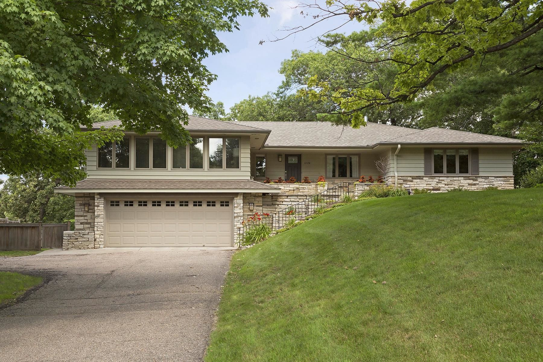 Single Family Home for Sale at 6728 Indian Hills Road Edina, Minnesota, 55439 United States