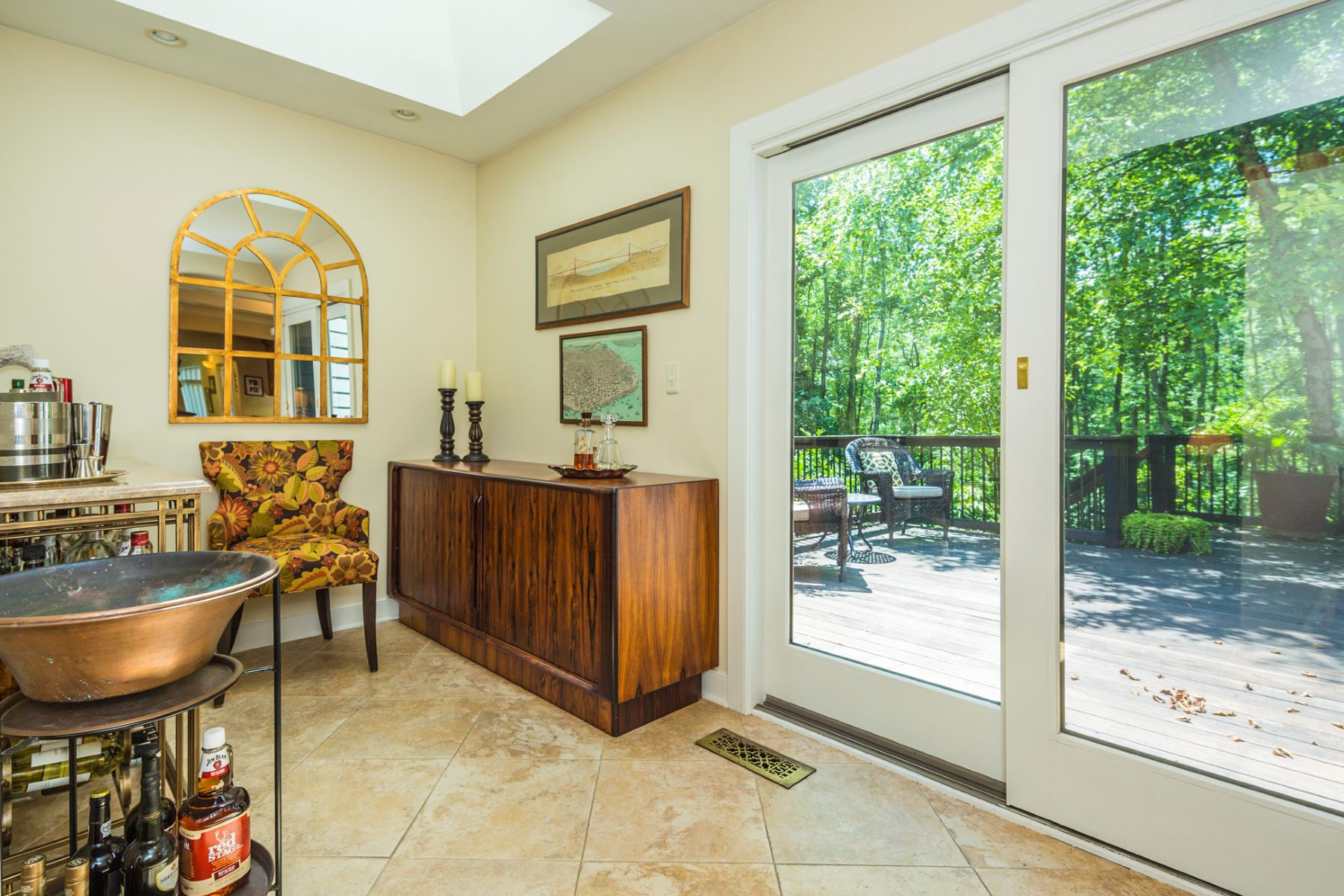 Additional photo for property listing at From Simple Pleasures to Ultimate Luxuries - Montgomery Township 54 Sourland Hills Road Skillman, Нью-Джерси 08558 Соединенные Штаты