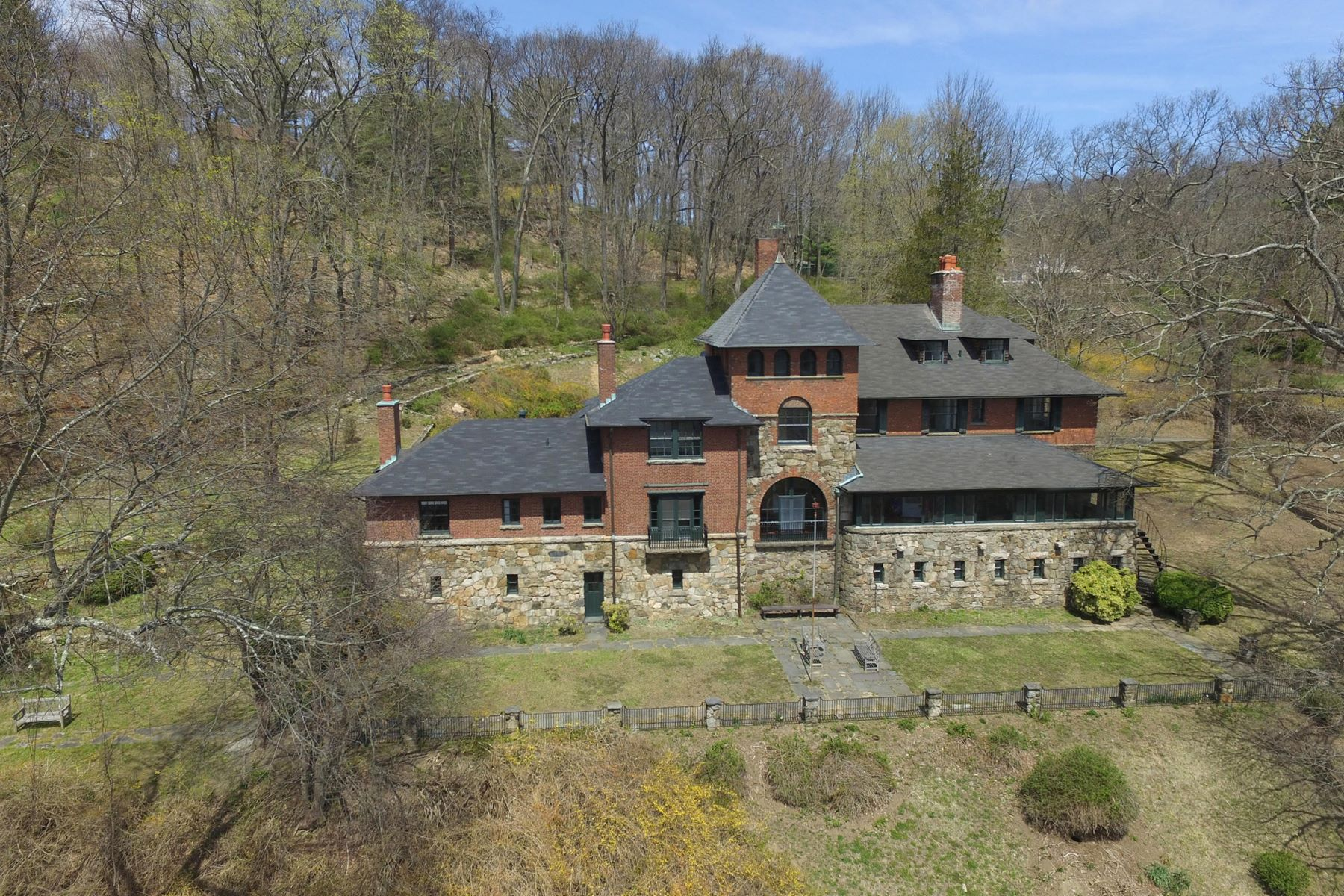 Maison unifamiliale pour l Vente à Historic TB Baldwin Estate 15 Summit Rd Tuxedo Park, New York, 10987 États-Unis